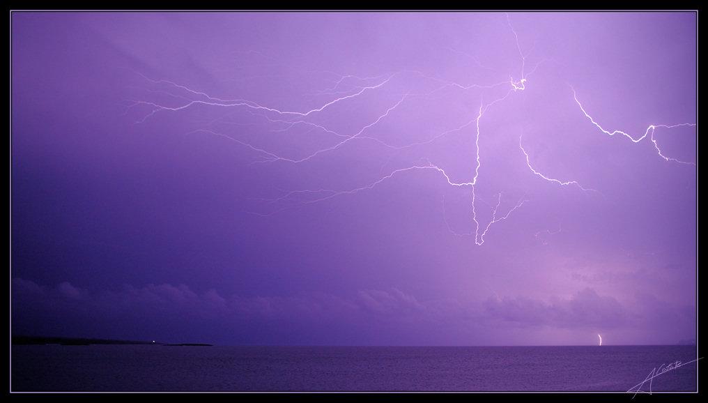 Foto playa Cala Galiota. Bordando el cielo  - Buy a print in - http://cafate.blogspot.com/ -  http://rayos-lightning.blogspot.com/