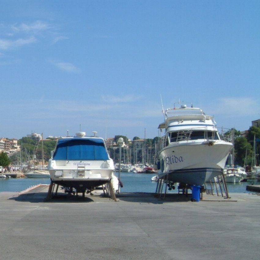 Foto playa Cala Murta. Boote im Hafen