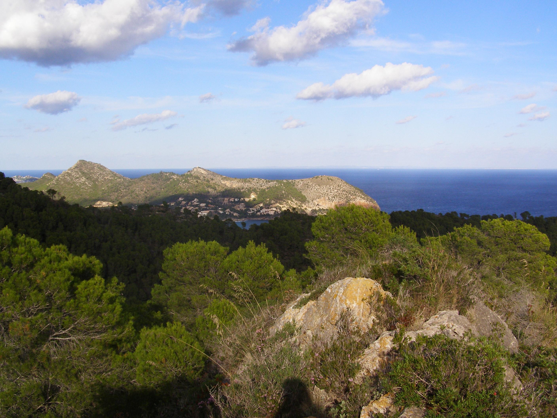 Foto playa Cala Rotja. view at cap vermell from puig negre de sa torre (mallorca, Oct-2006)
