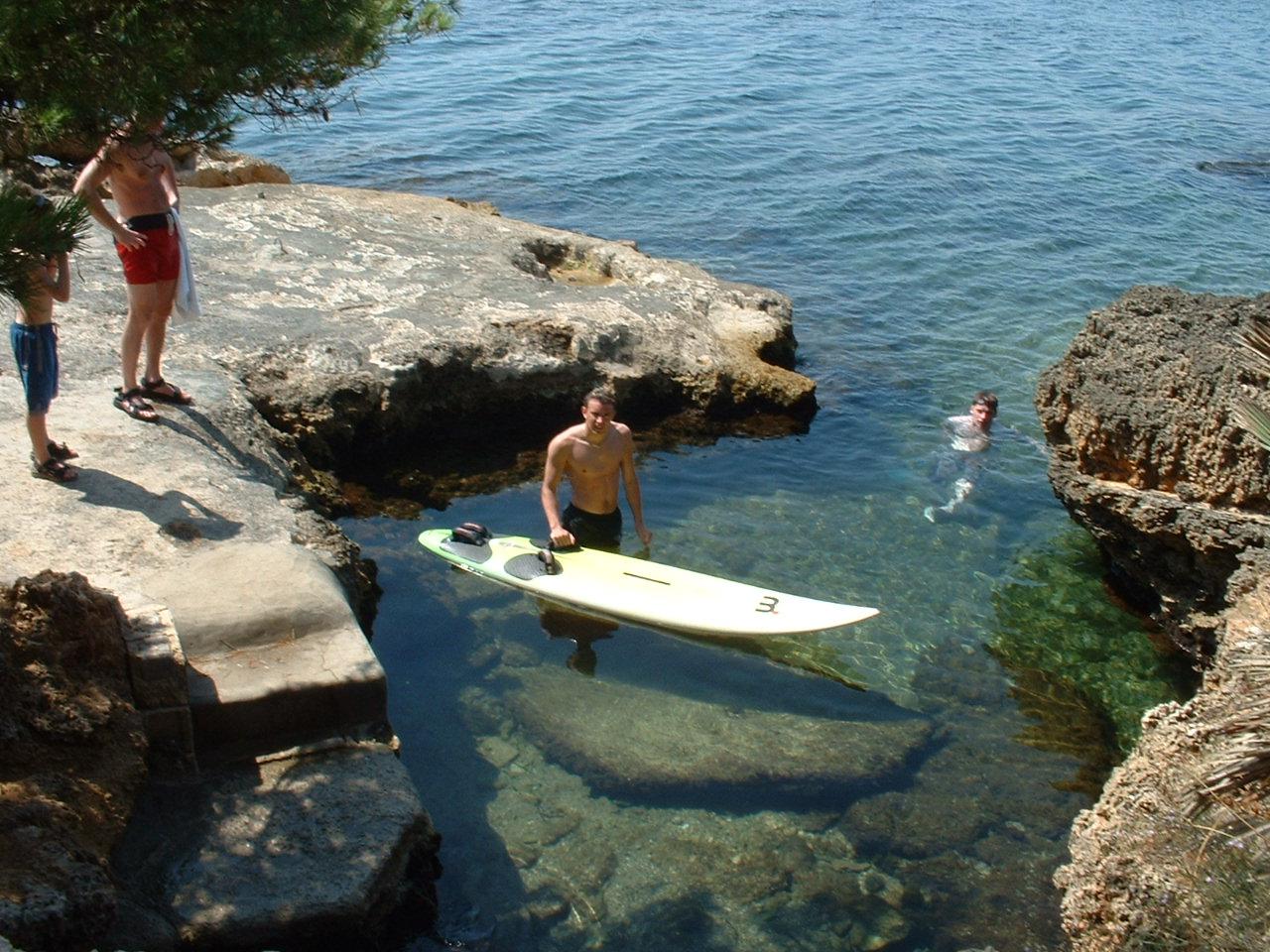 Foto playa Cap des Bou. Rock pool Alcanada