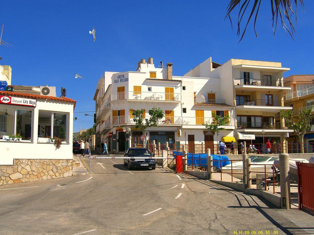 Foto playa Son Moll. Am Hafen von Cala Rajada.