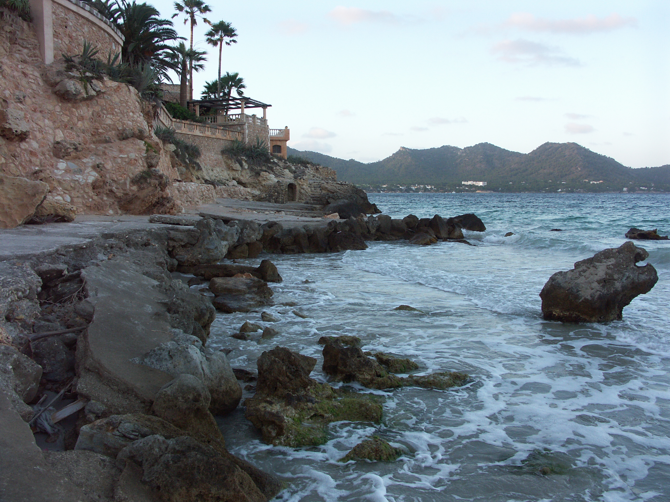 Foto playa Port Vell. Port Nou