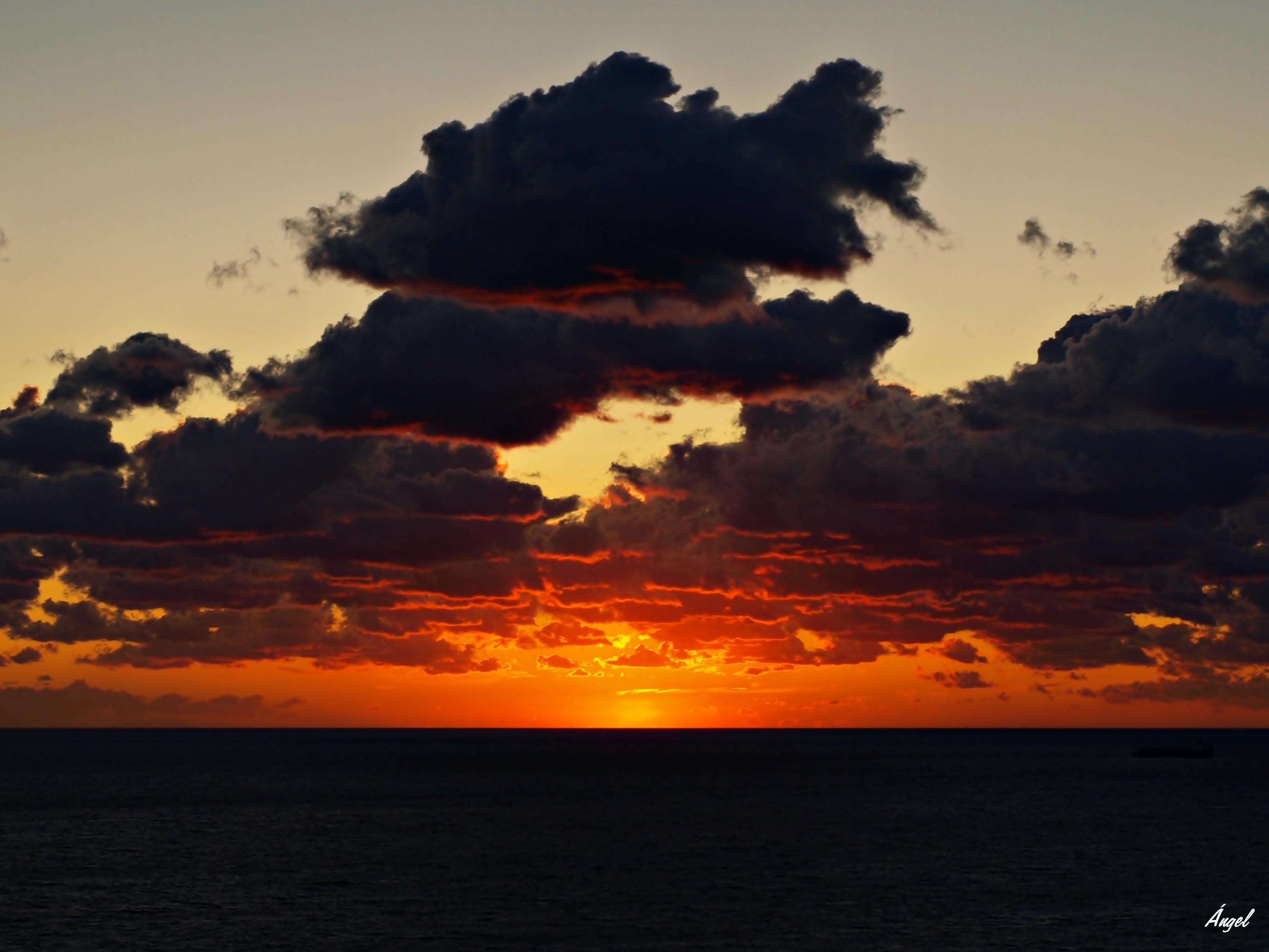Foto playa Cala Vella. Para todos mis amigos de panoramio que son co...