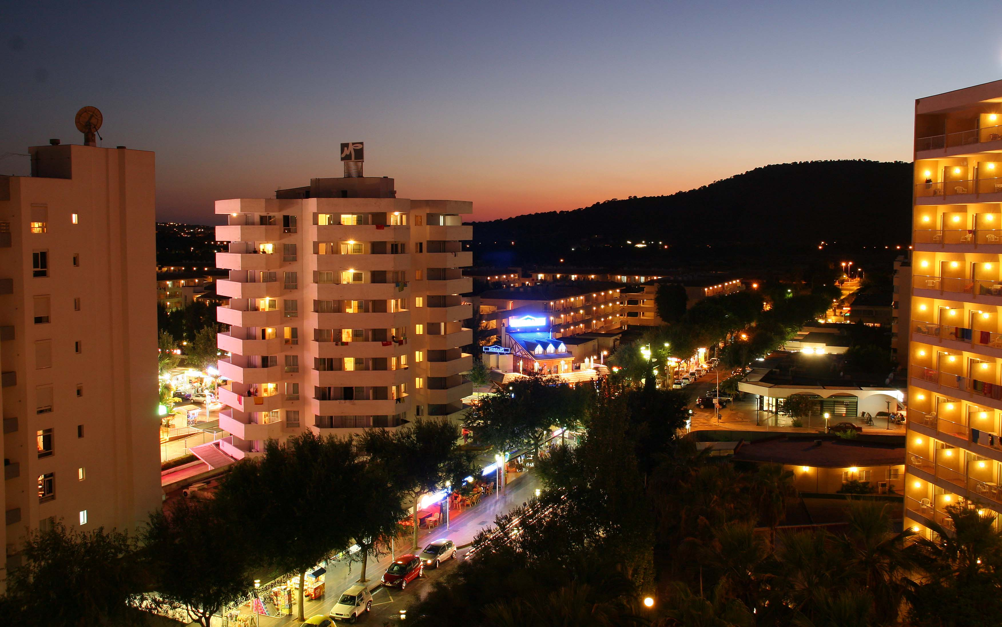 Foto playa Magalluf. magaluf nightlife