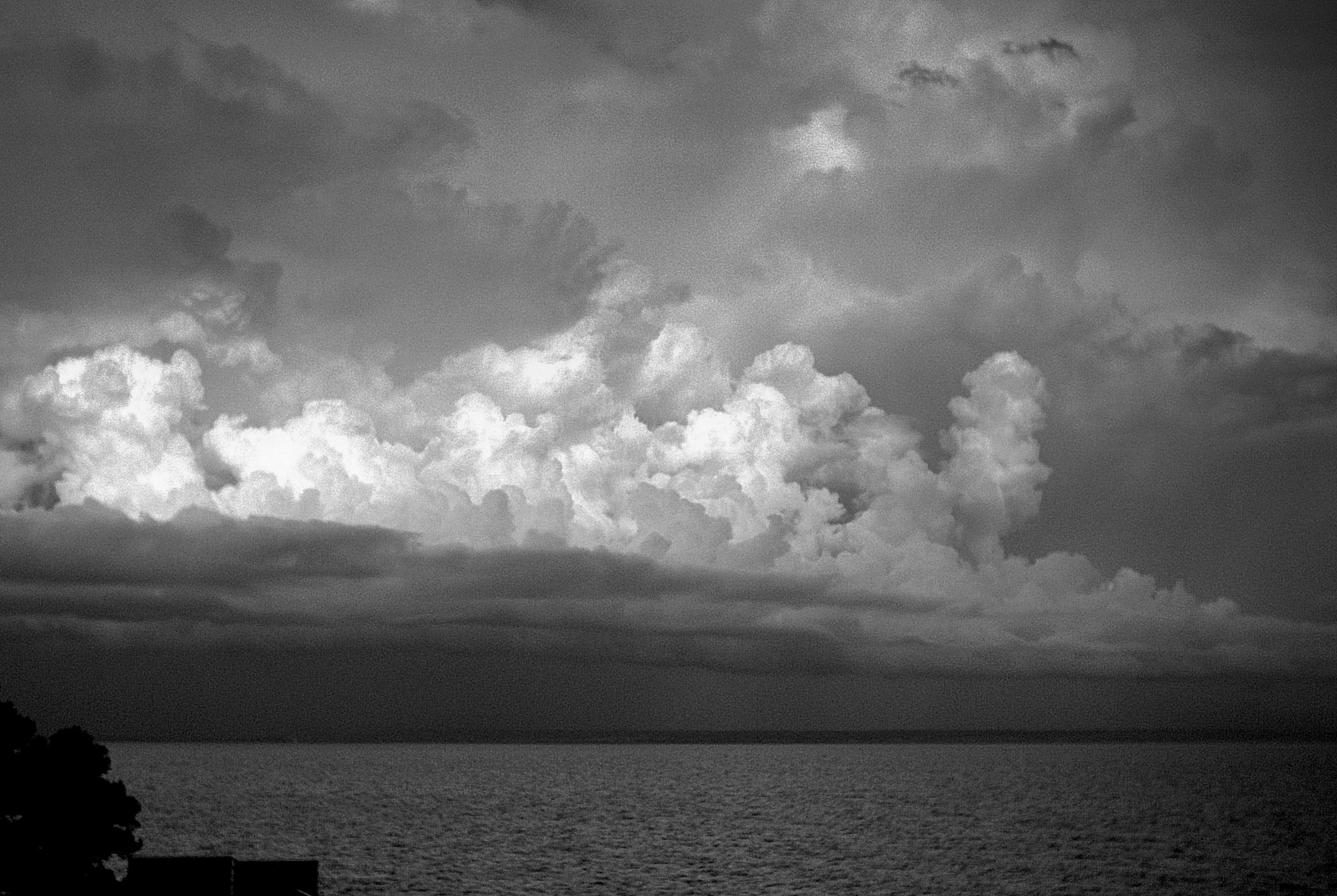 Foto playa Cala Vinyes. Storm is coming