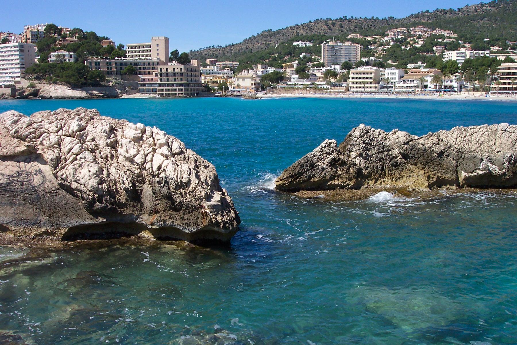 Foto playa Peguera / Romana Torà Palmira. Paguera, Mallorca