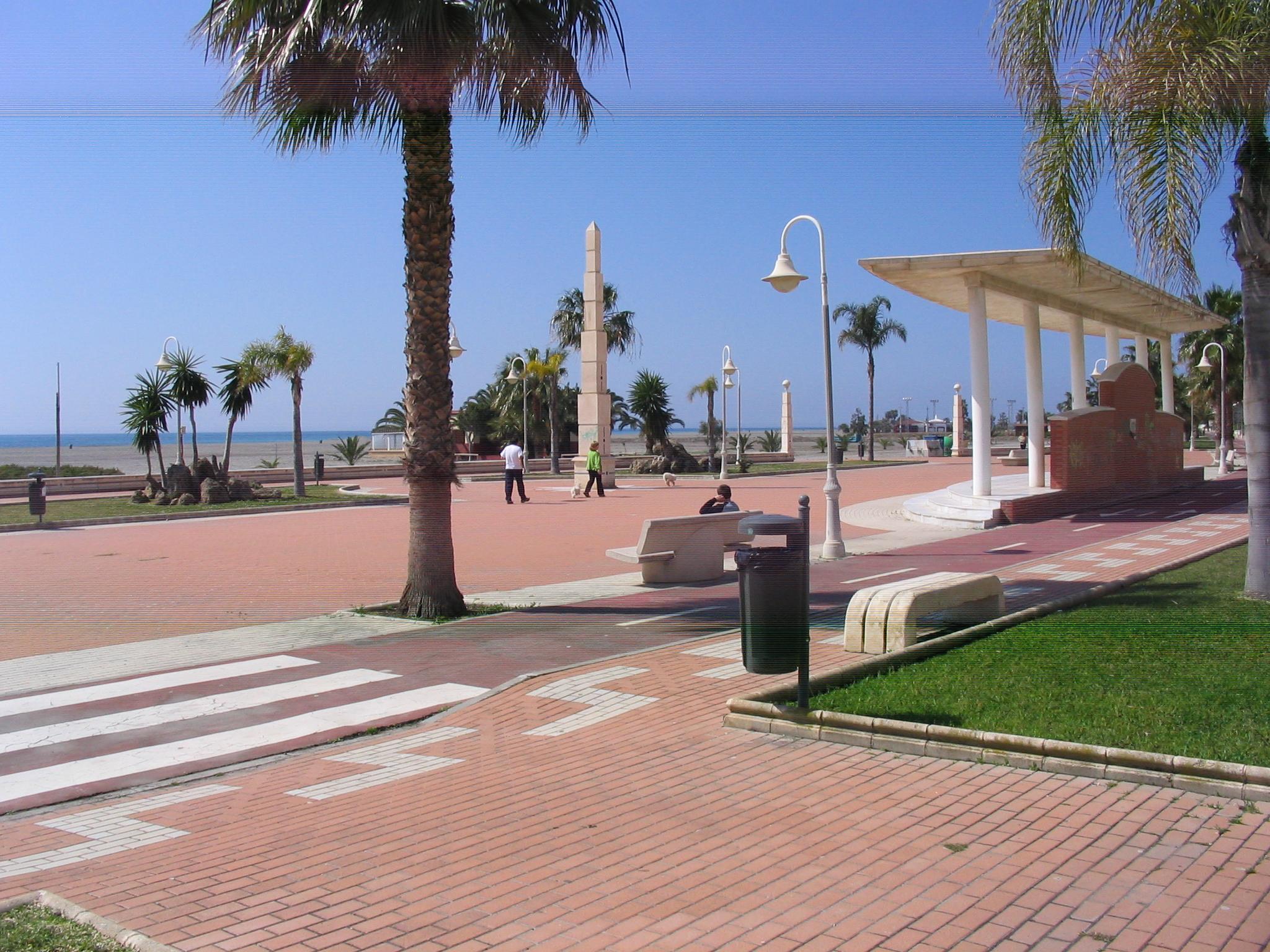 Foto playa Poniente / Pelaillo. Paseo playa de poniente Motril