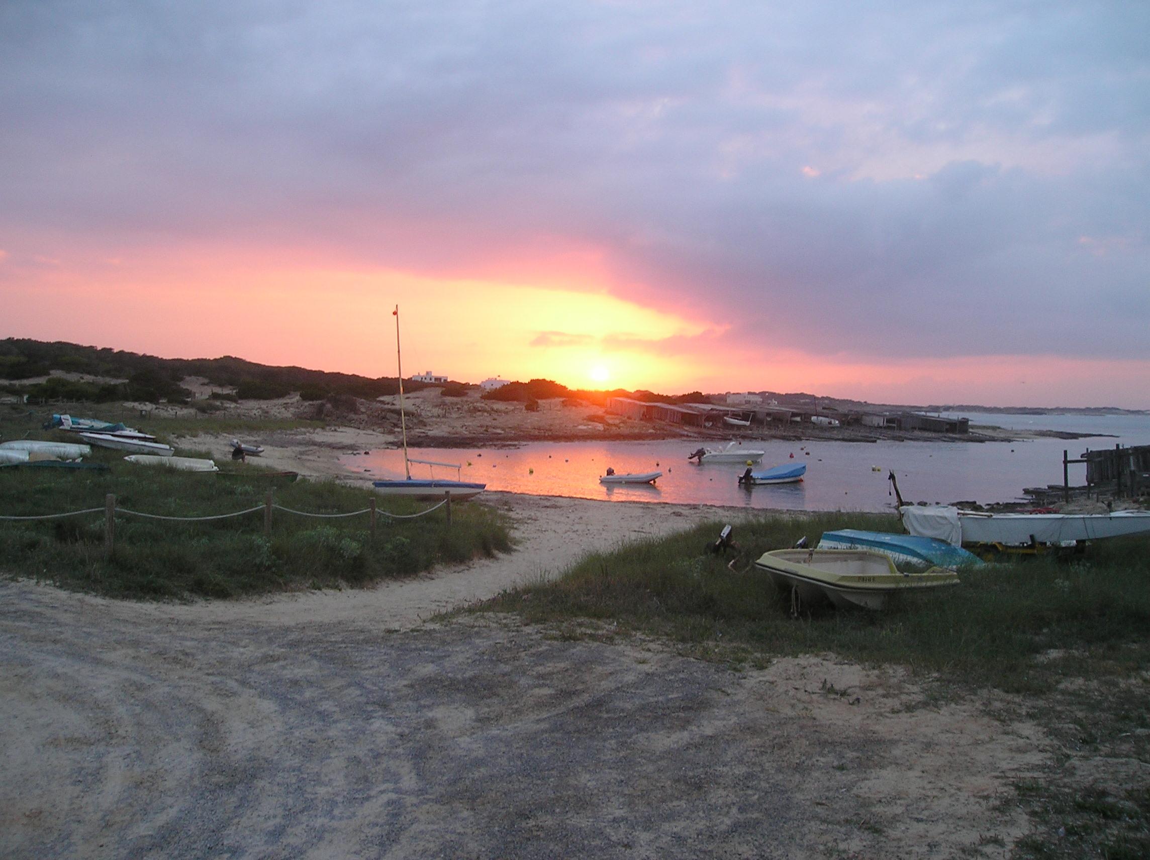 Foto playa Es Pujols. Puesta 1- H. Roca Bella