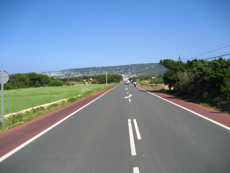 Foto playa Ses Canyes. Road across Formentera