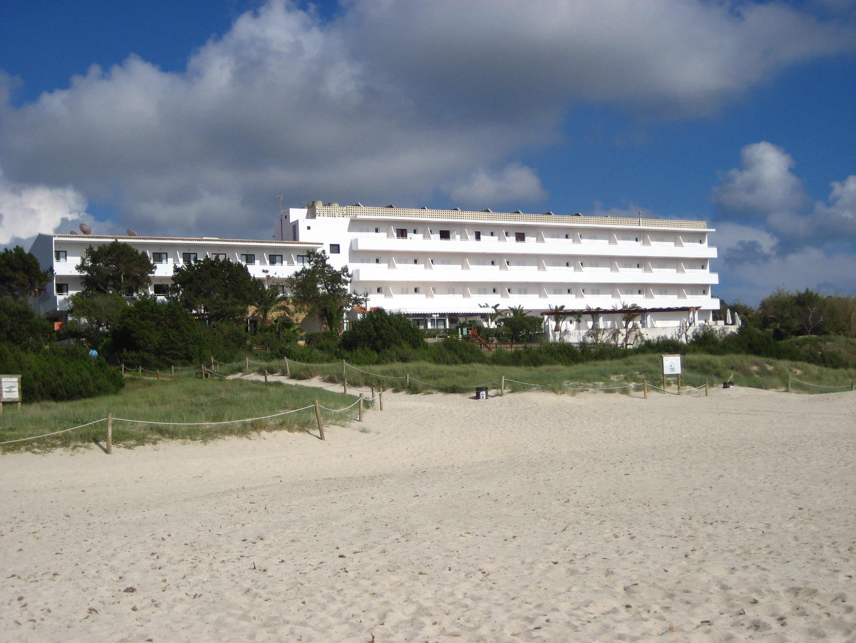 Foto playa Cala Saona. White Apartements