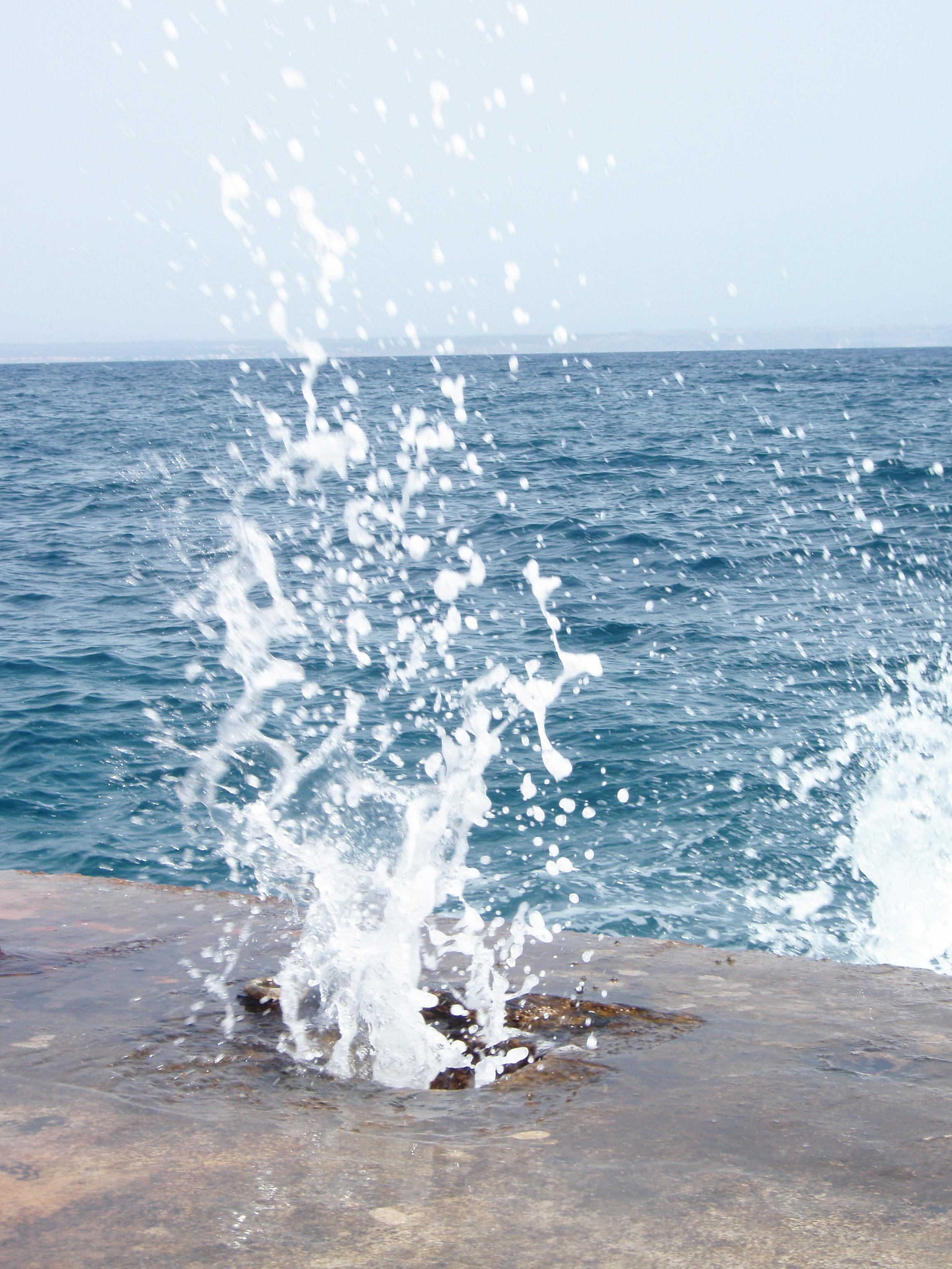 Foto playa Ses Illetes. Agua,mar, luz y fuerza