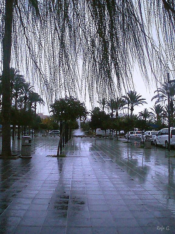 Foto playa San Antonio / Es Regueró. Mirando la lluvia con flequillo