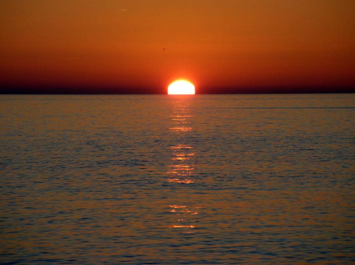 Foto playa La Charca / Salomar. El rayo de sol