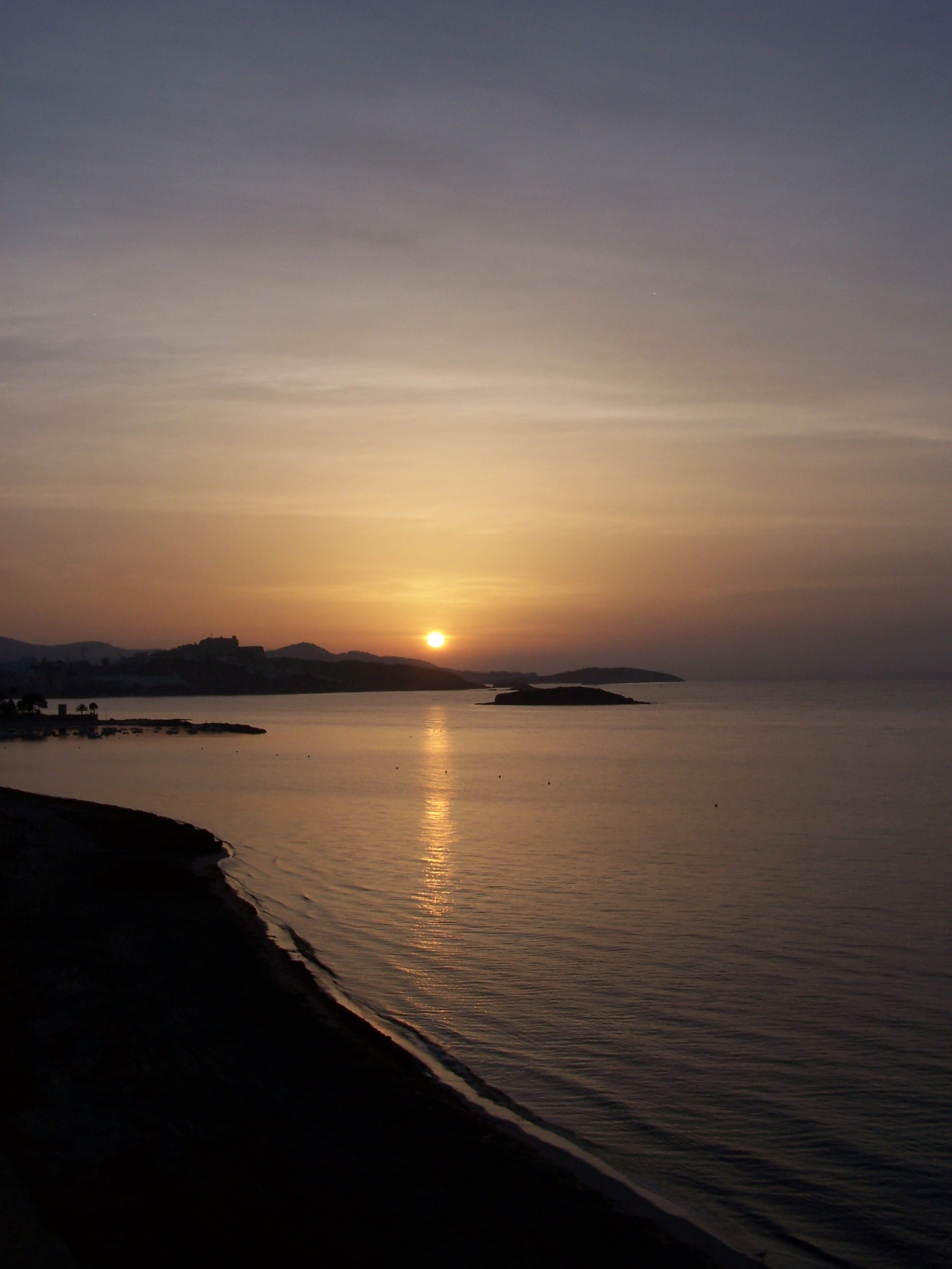 Foto playa Es Vivé. Amaneceres en IBIZA
