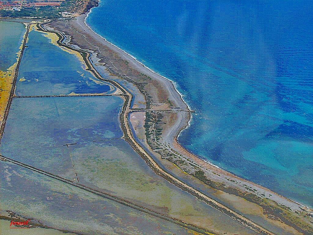Foto playa Pont de Baix. Despegando sobre las salinas-Ibiza