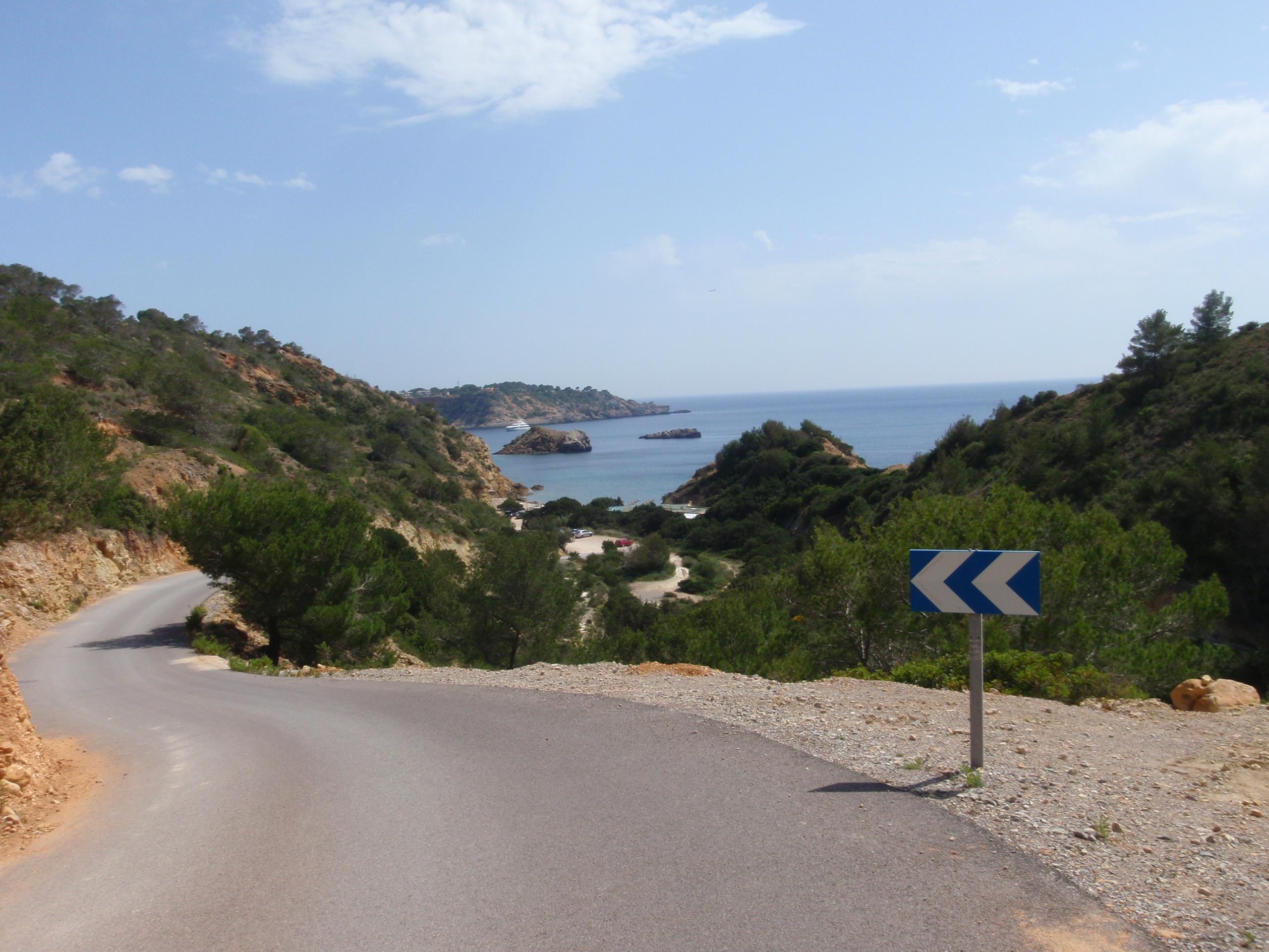 Foto playa Les Ovelles. pohľad z kopca....
