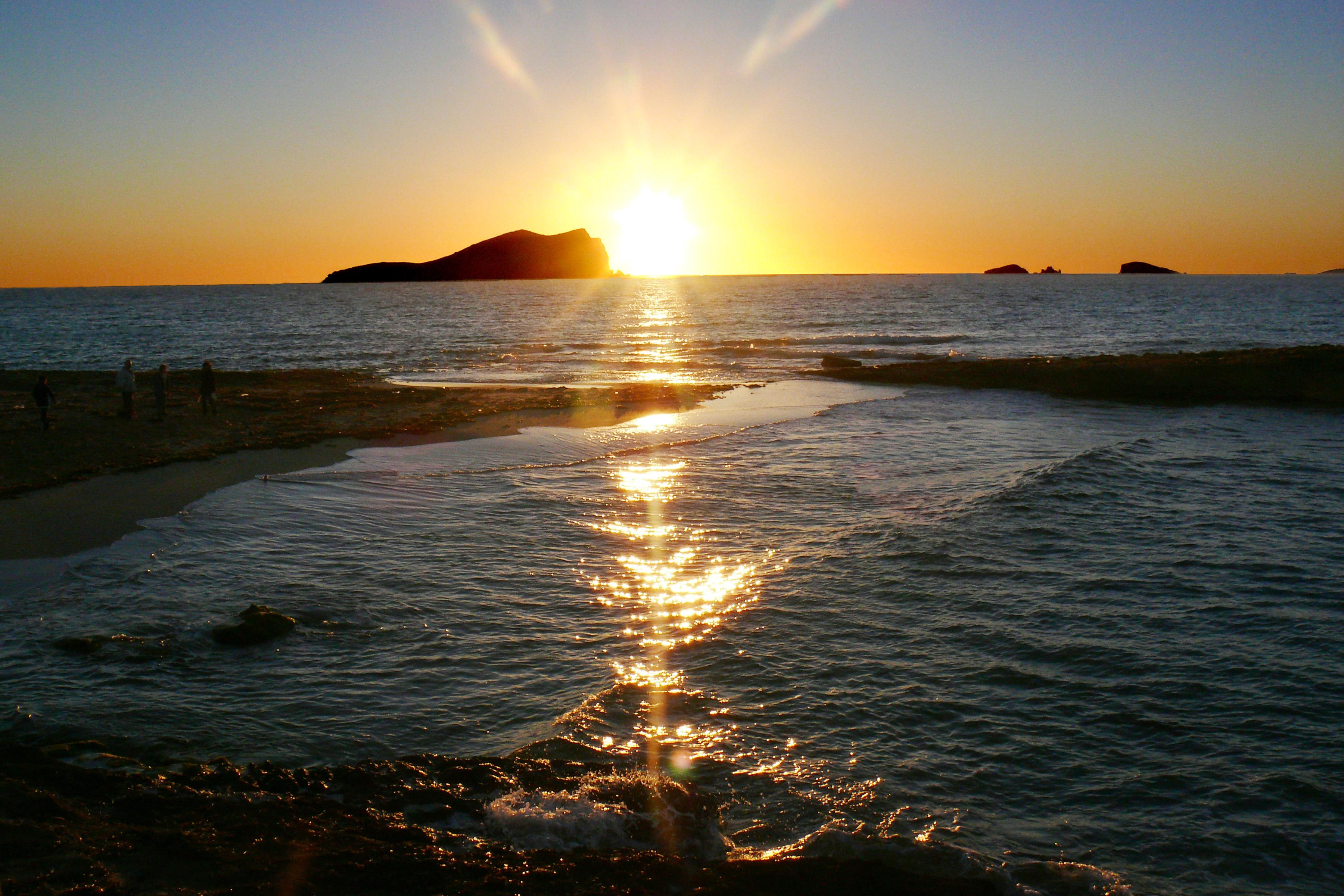 Foto playa Cala Corral. Puesta de sol en Eivissa/Ibiza