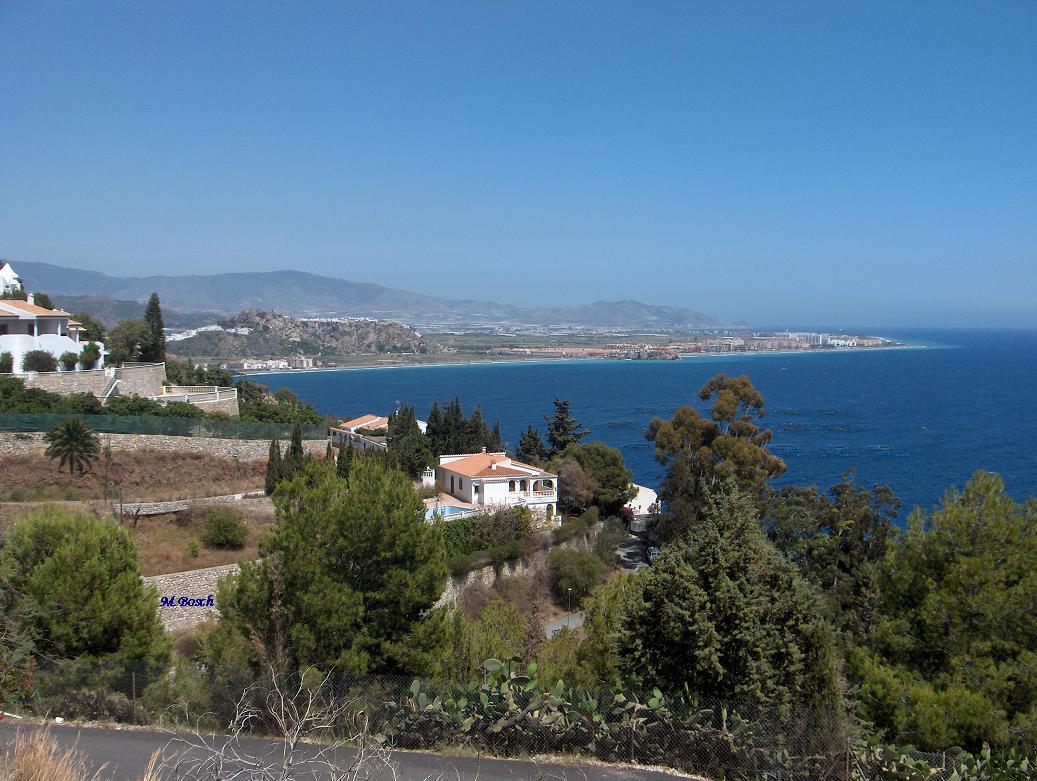Foto playa El Caletón. Salobreña desde el oeste.