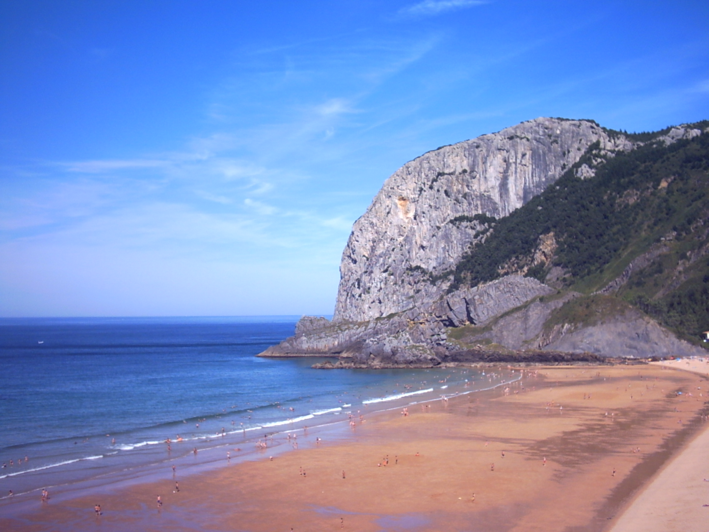 Foto playa Laga. Playa de Laga y Cabo Ogoño
