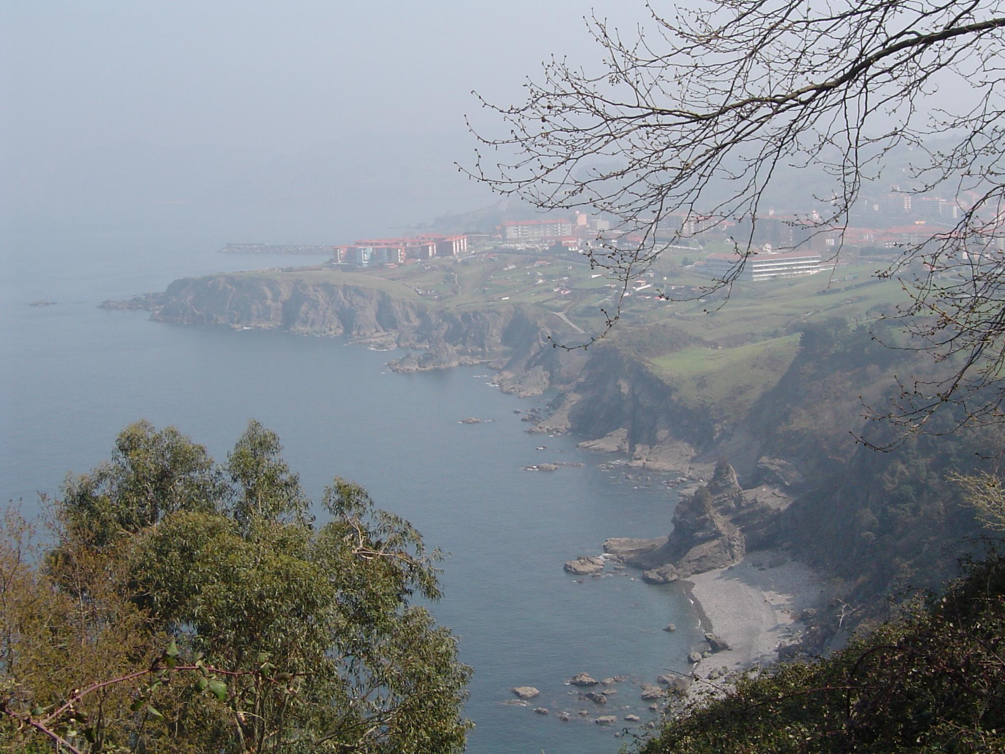 Foto playa Aritxatxu. Vistas de Bermeo