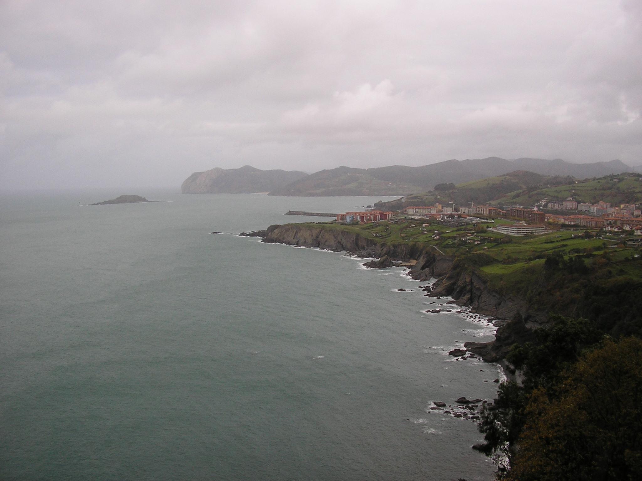 Foto playa Aritxatxu. COSTA BERMEO CABO OGOÃ'O