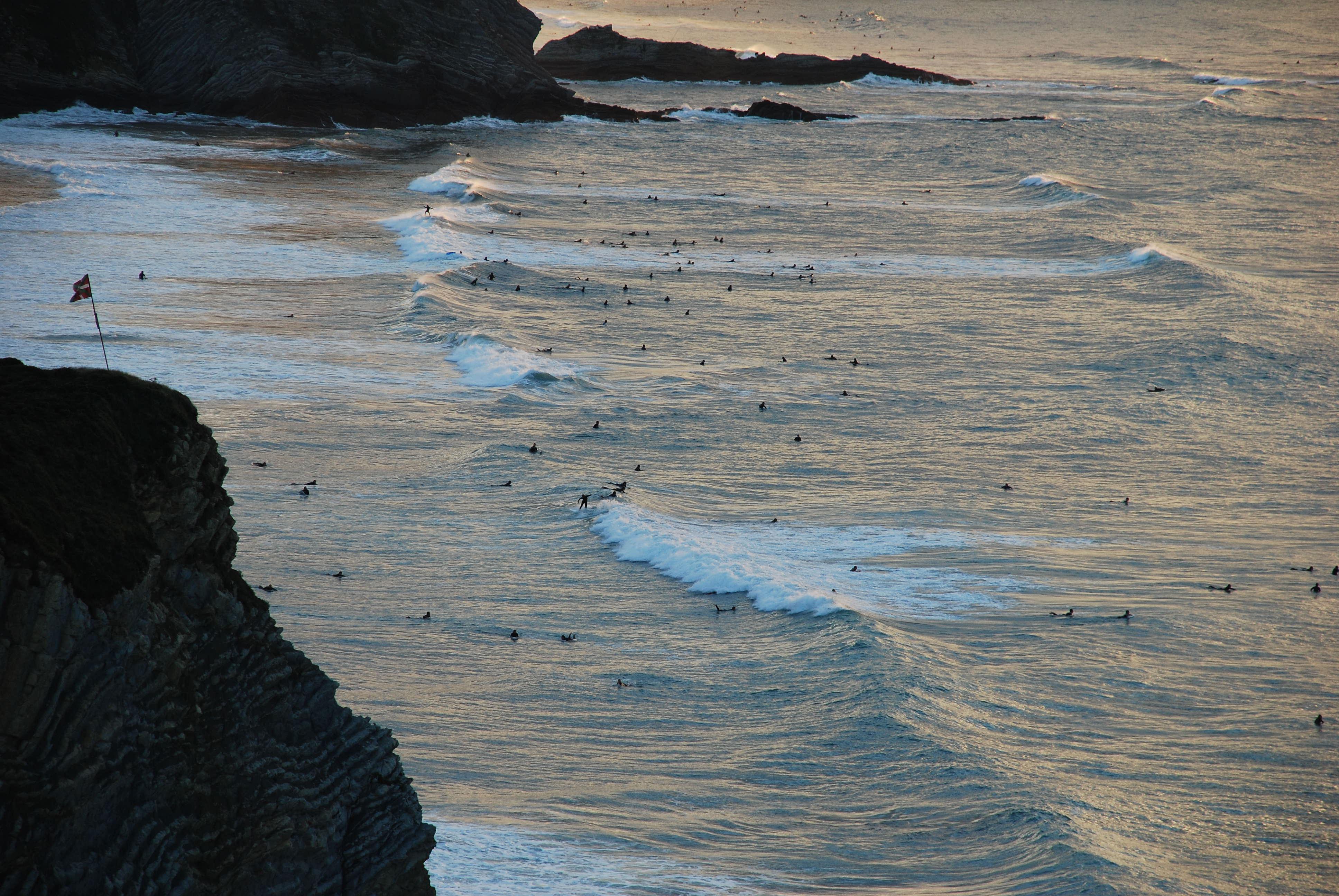 Foto playa Arrietara- Atxabiribil / Sopelana. Surfers
