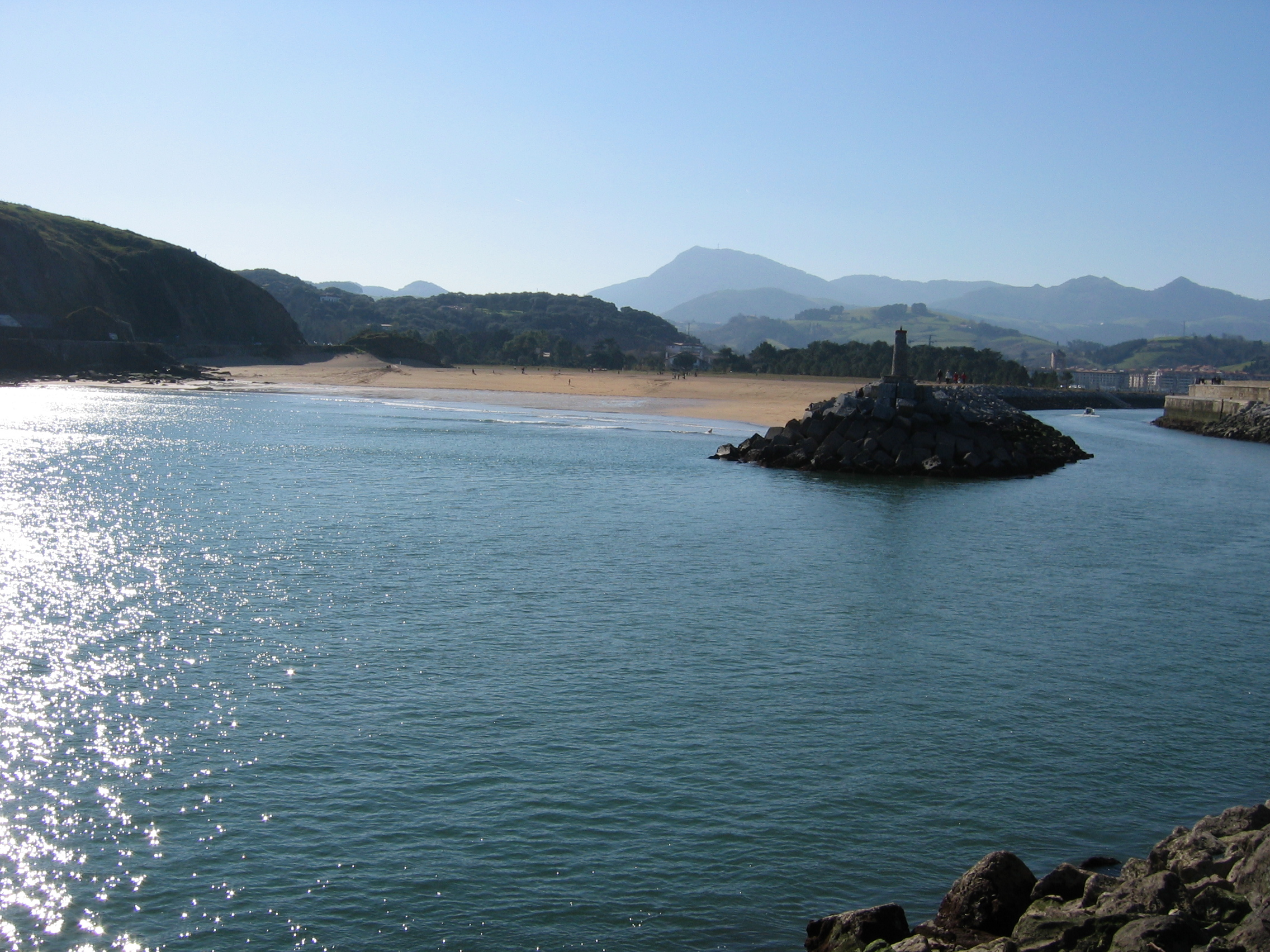 Foto playa Sisurko / Laondoko portua. zumaya playa santiago y ria