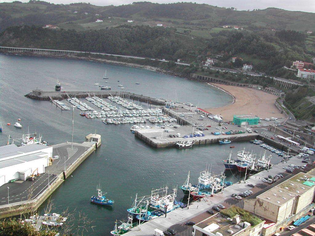 Foto playa Malkorbe. getaria puerto y playa