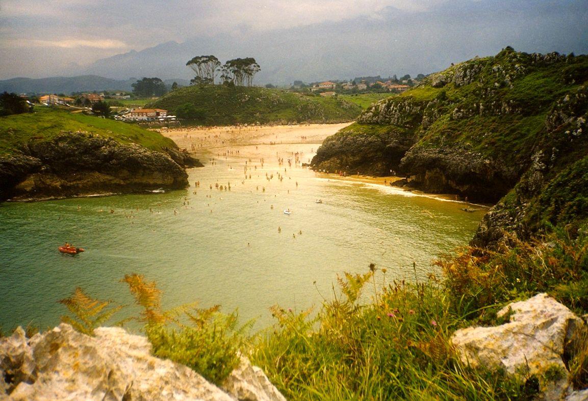 Foto playa Aitzuri. 1997 Panorama della  Playa de Po  Asturie  Spagna