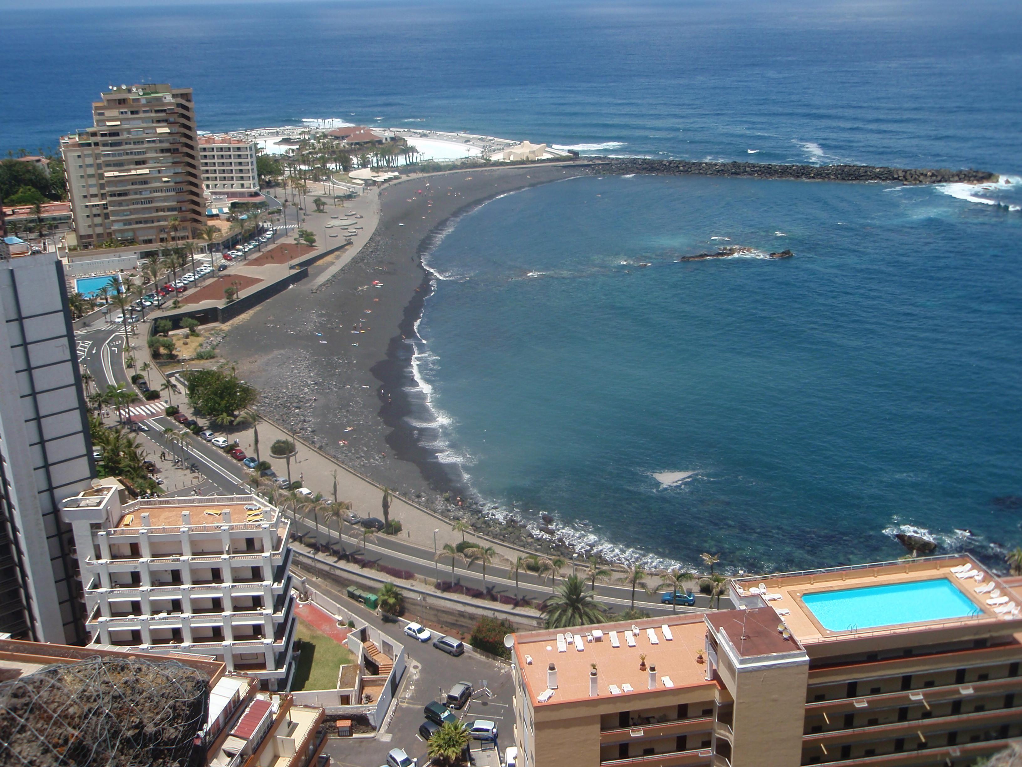 Foto playa La Caleta.