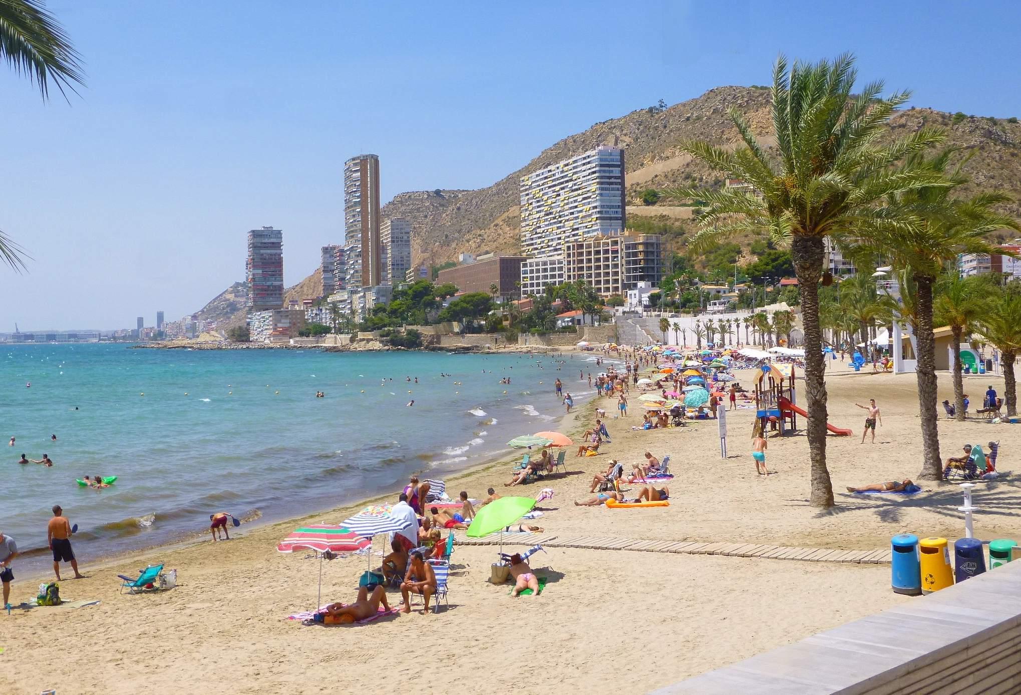 Playa La Ampolla
