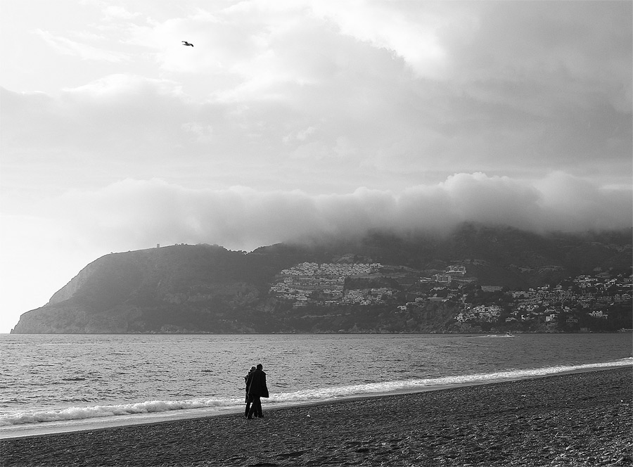 Foto playa La Herradura. Clouds