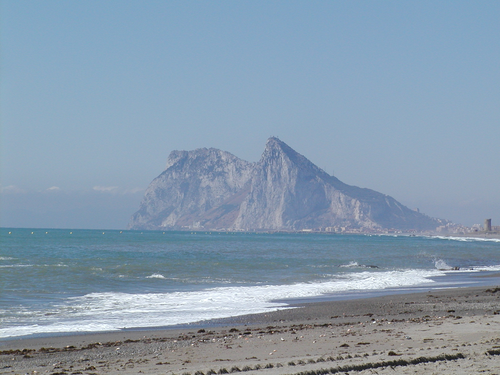 Playa La Atunara / Sobrevela