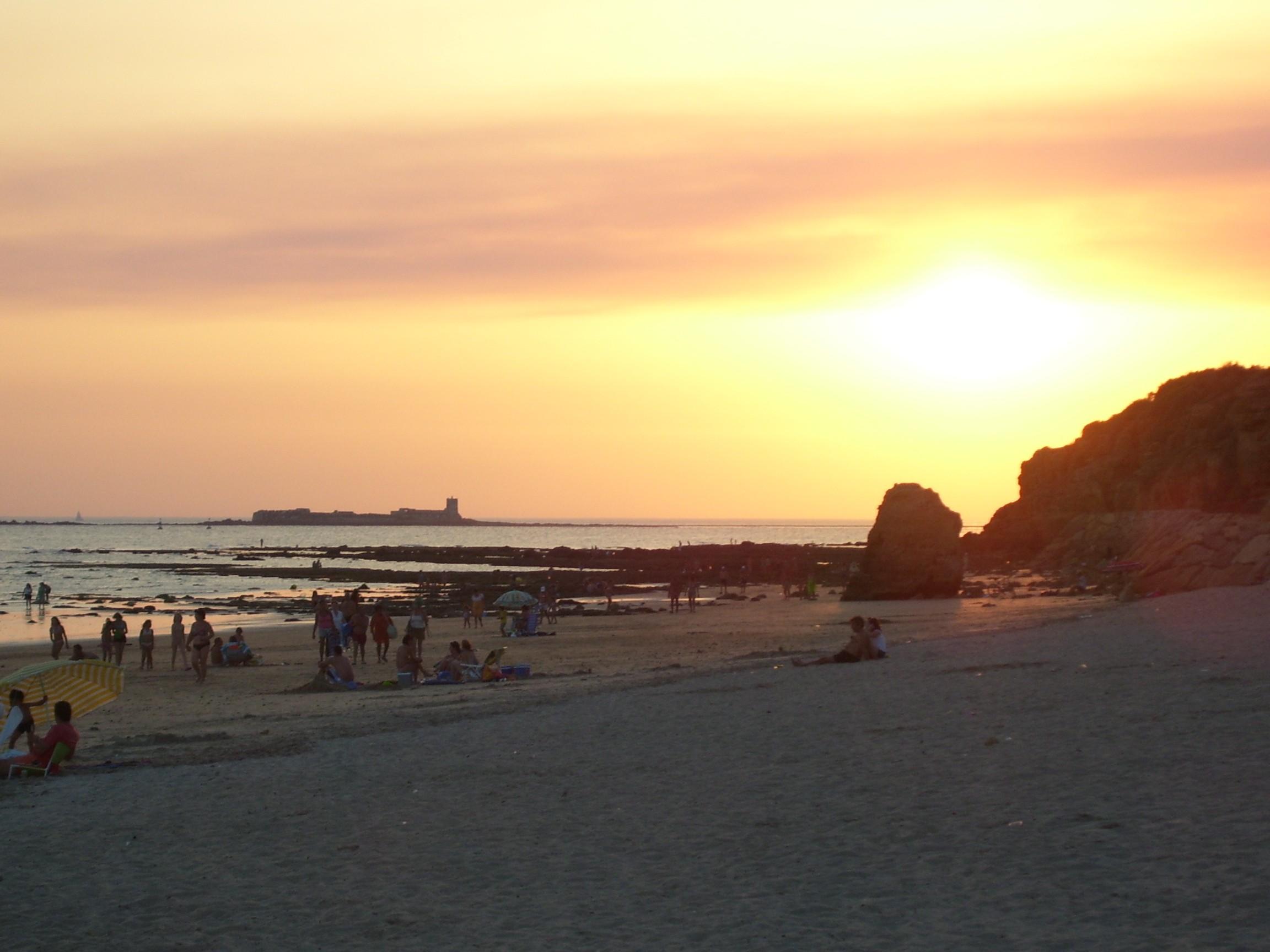 Playa Playa Jardín / Playa San Felipe / El Castillo