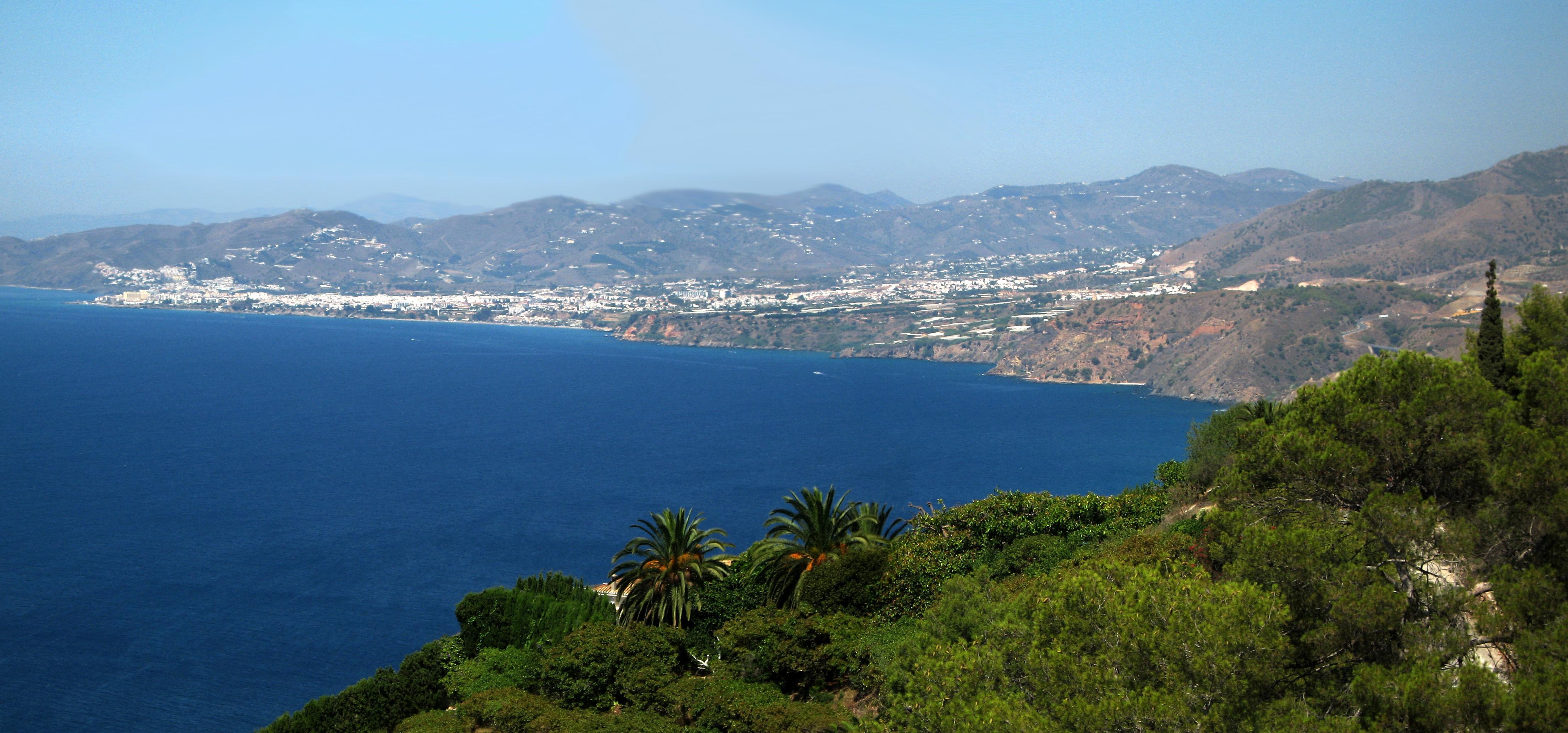 Playa La Caleta de Maro