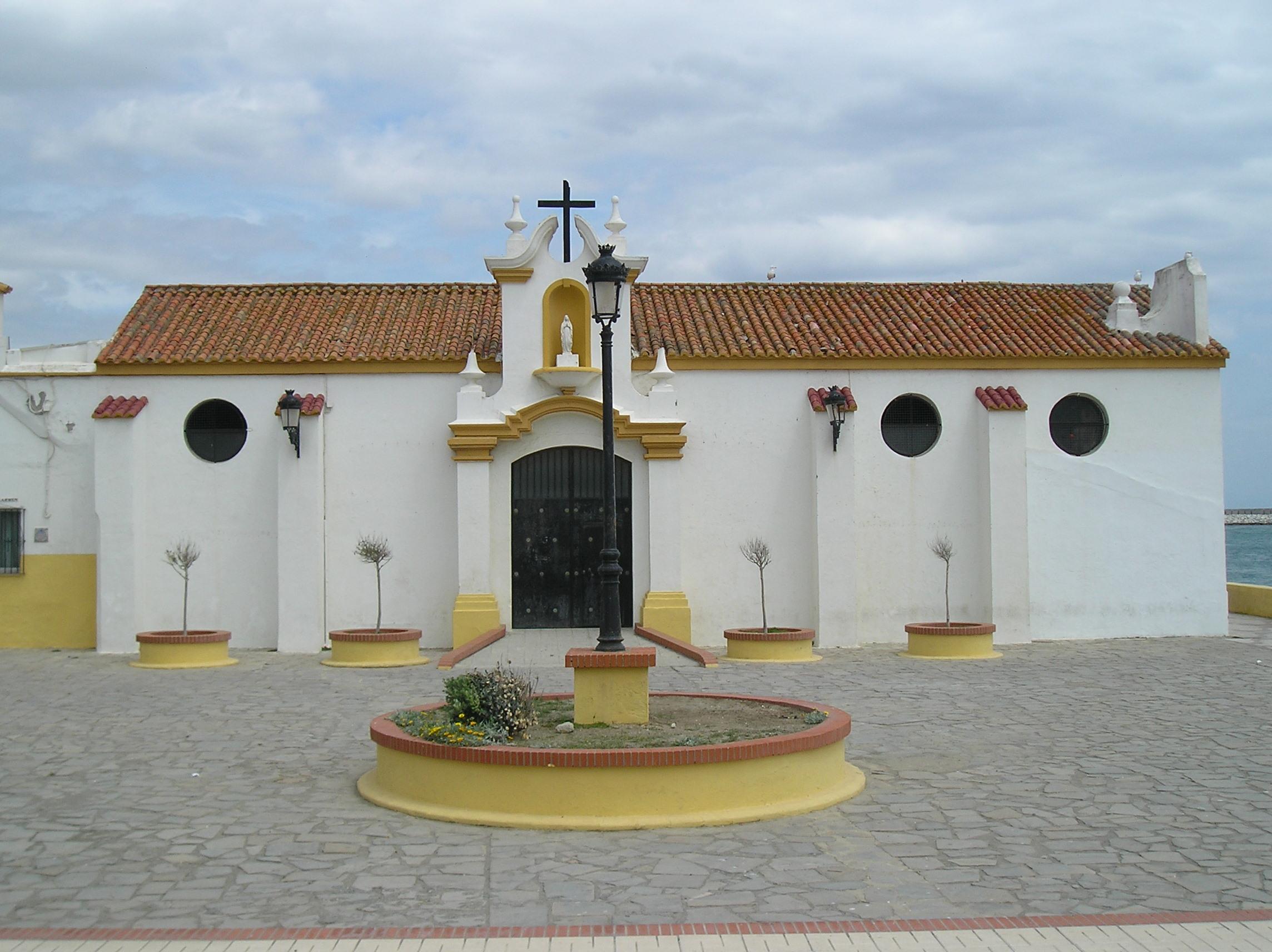 Foto playa La Atunara / Playa de Levante. Iglesia de Nuestra Señora del Carmen