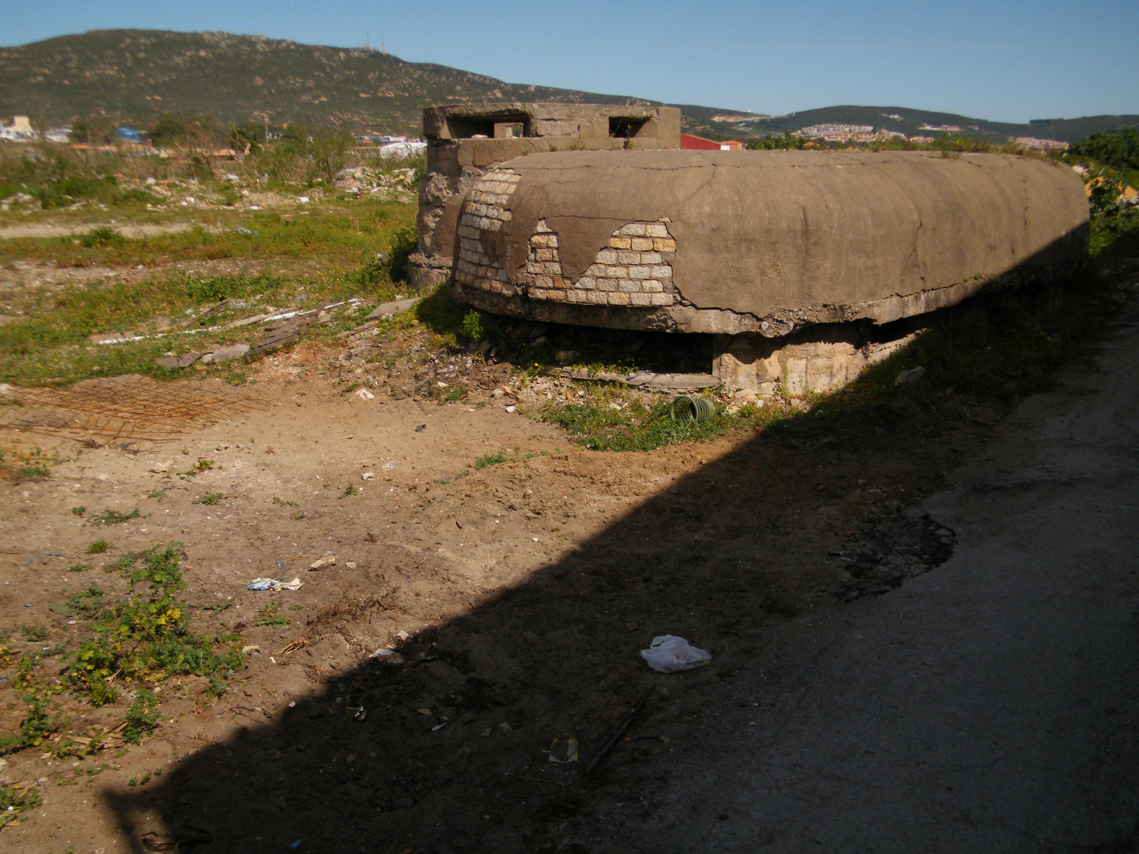 Foto playa La Atunara / Playa de Levante. Bunker Segunda Guerra Mundial en calle Cartagena