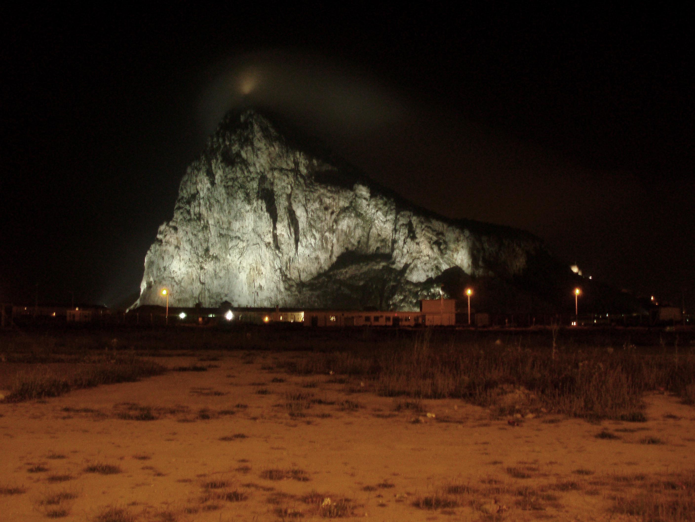 Foto playa Playa de Levante / Santa Bárbara. El Peñón de noche