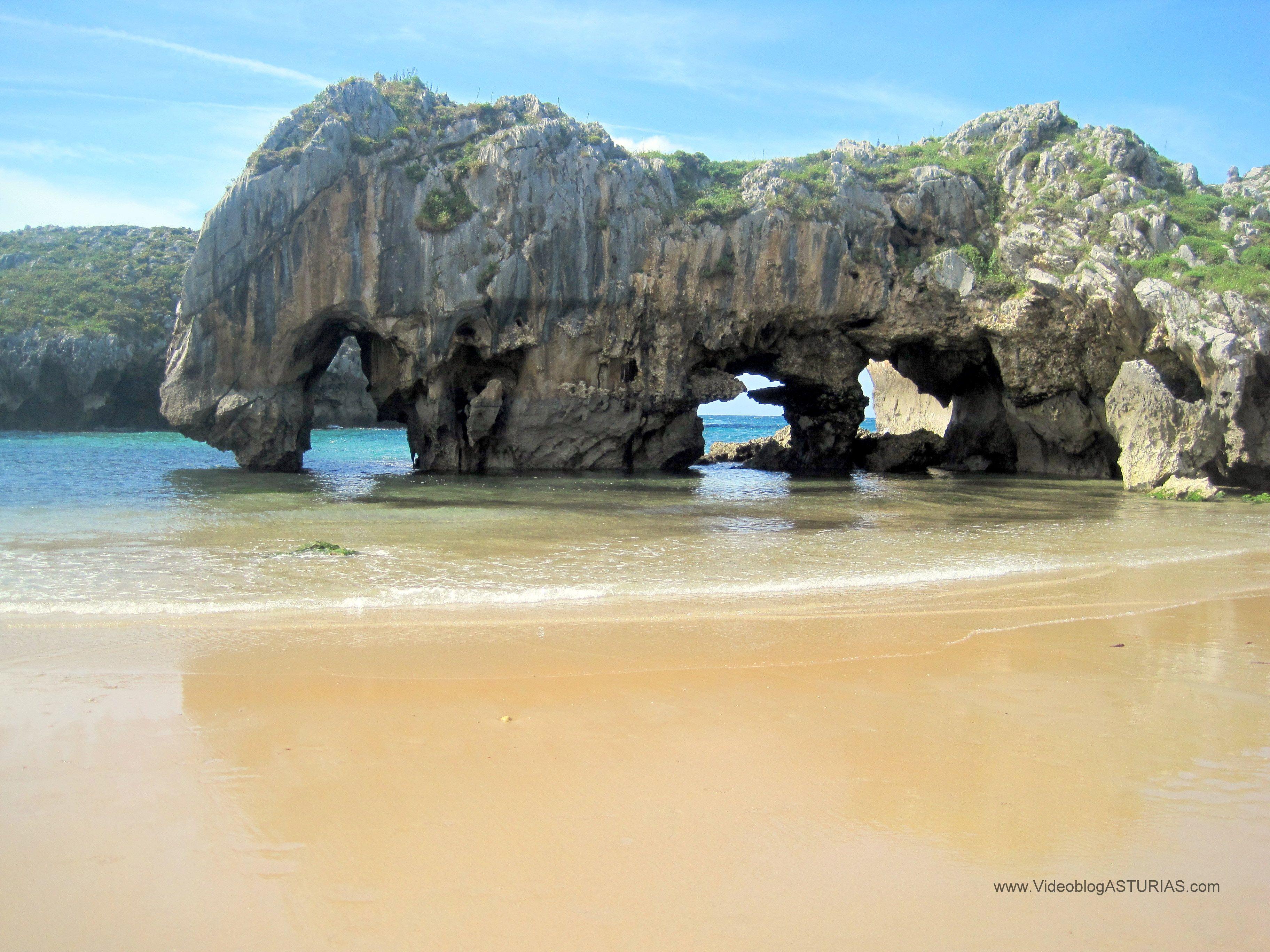 Playa Cueva de los Lobos