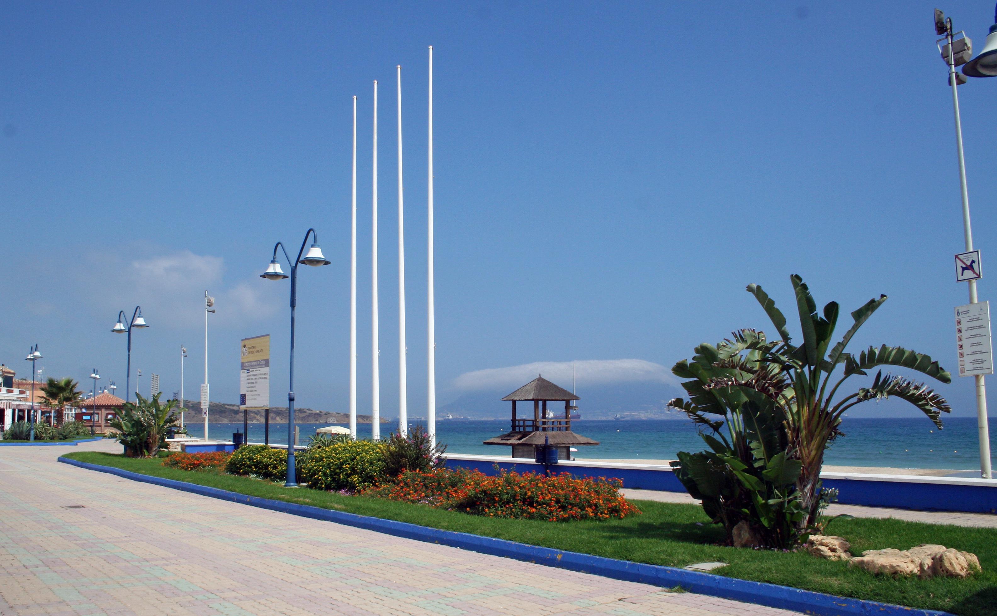 Foto playa El Rinconcillo. Paseo de Maritimo