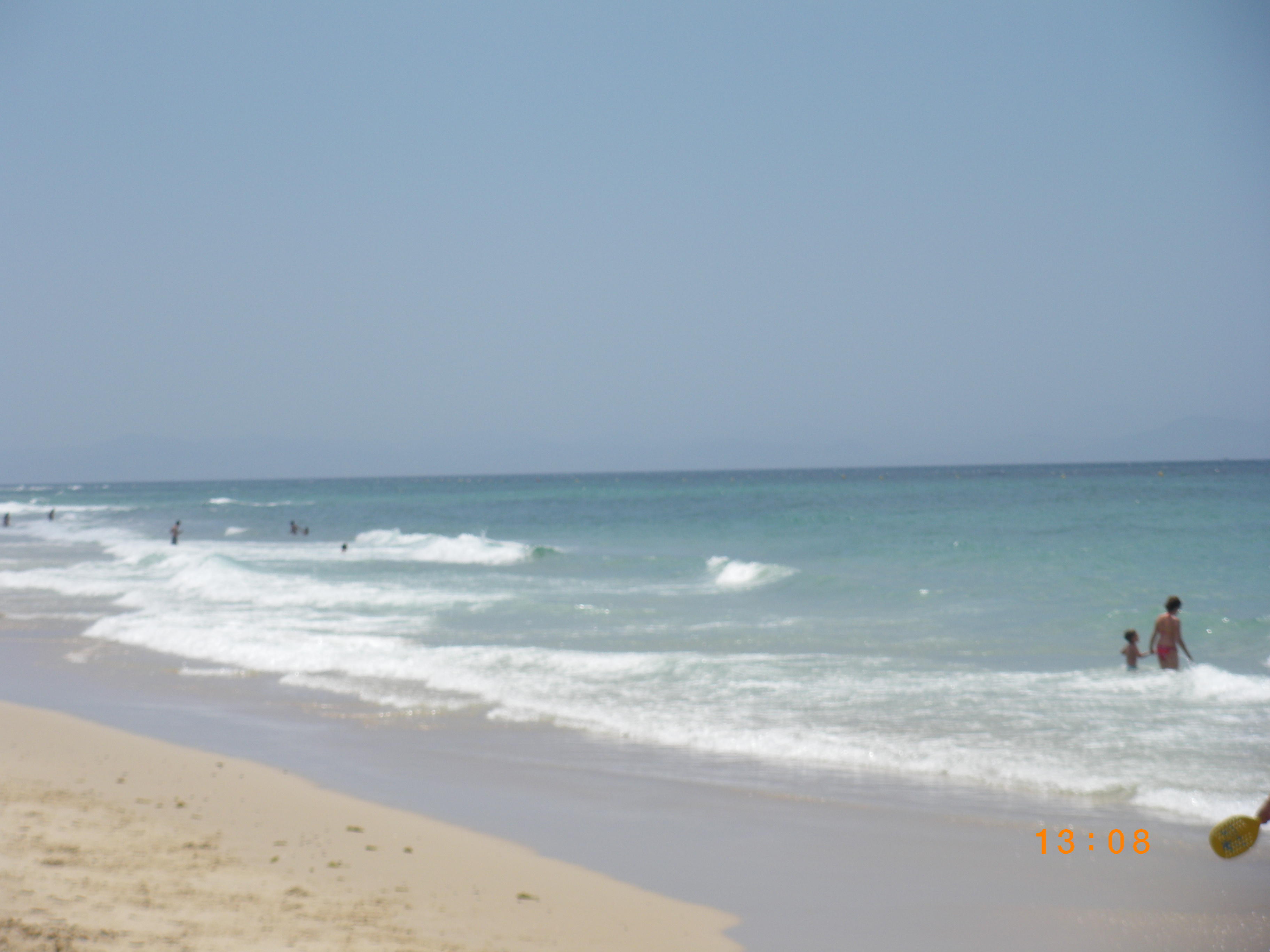 Foto playa Bolonia. aguas boloñesas