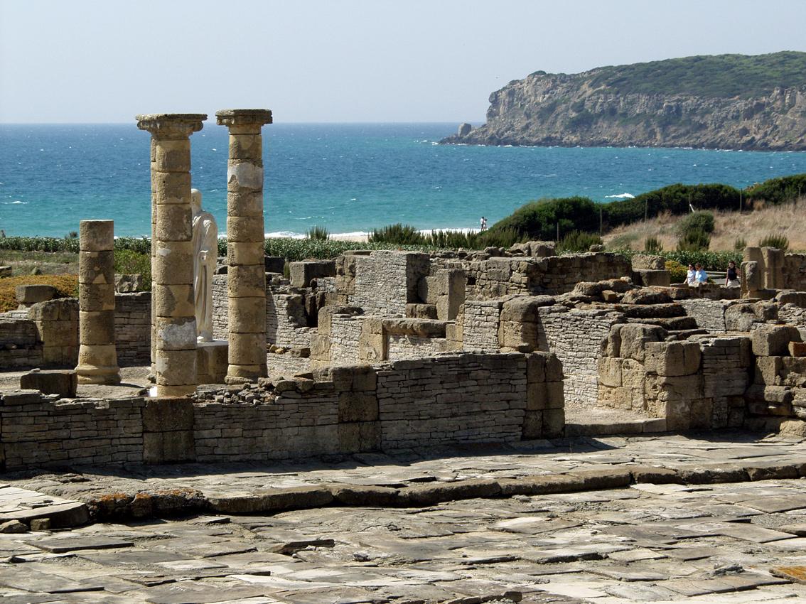 Foto playa Bolonia. Ruines romaines de Bolonia