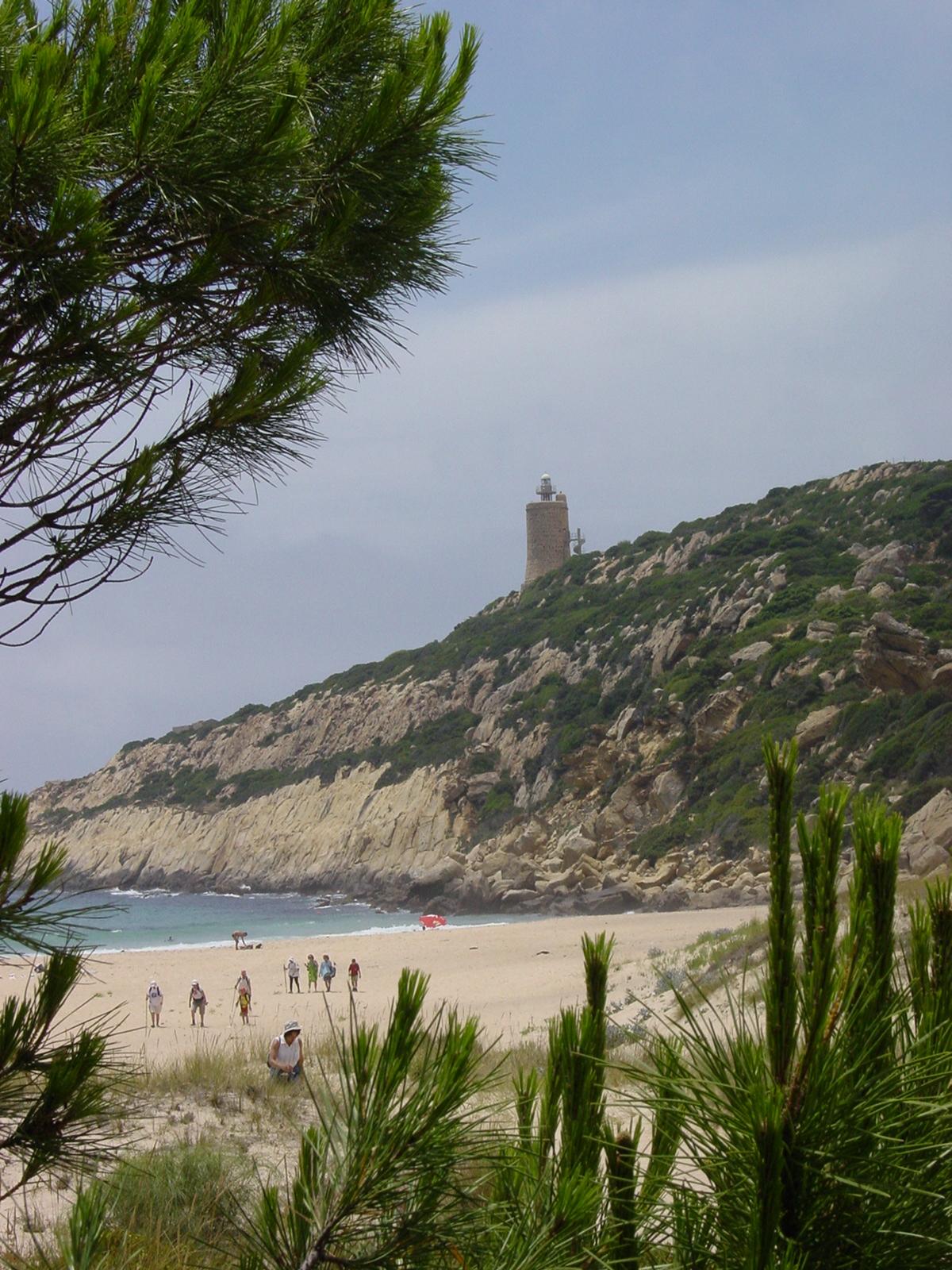 Foto playa El Cañuelo. Playa del Cañuelo y faro Camarinal