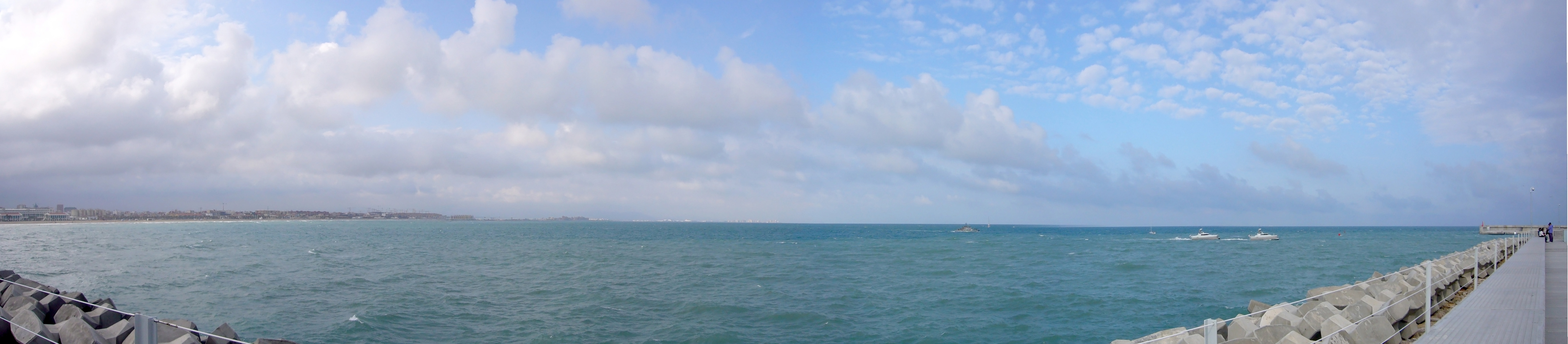 Foto playa Las Arenas. Puerto Valencia Panoramica