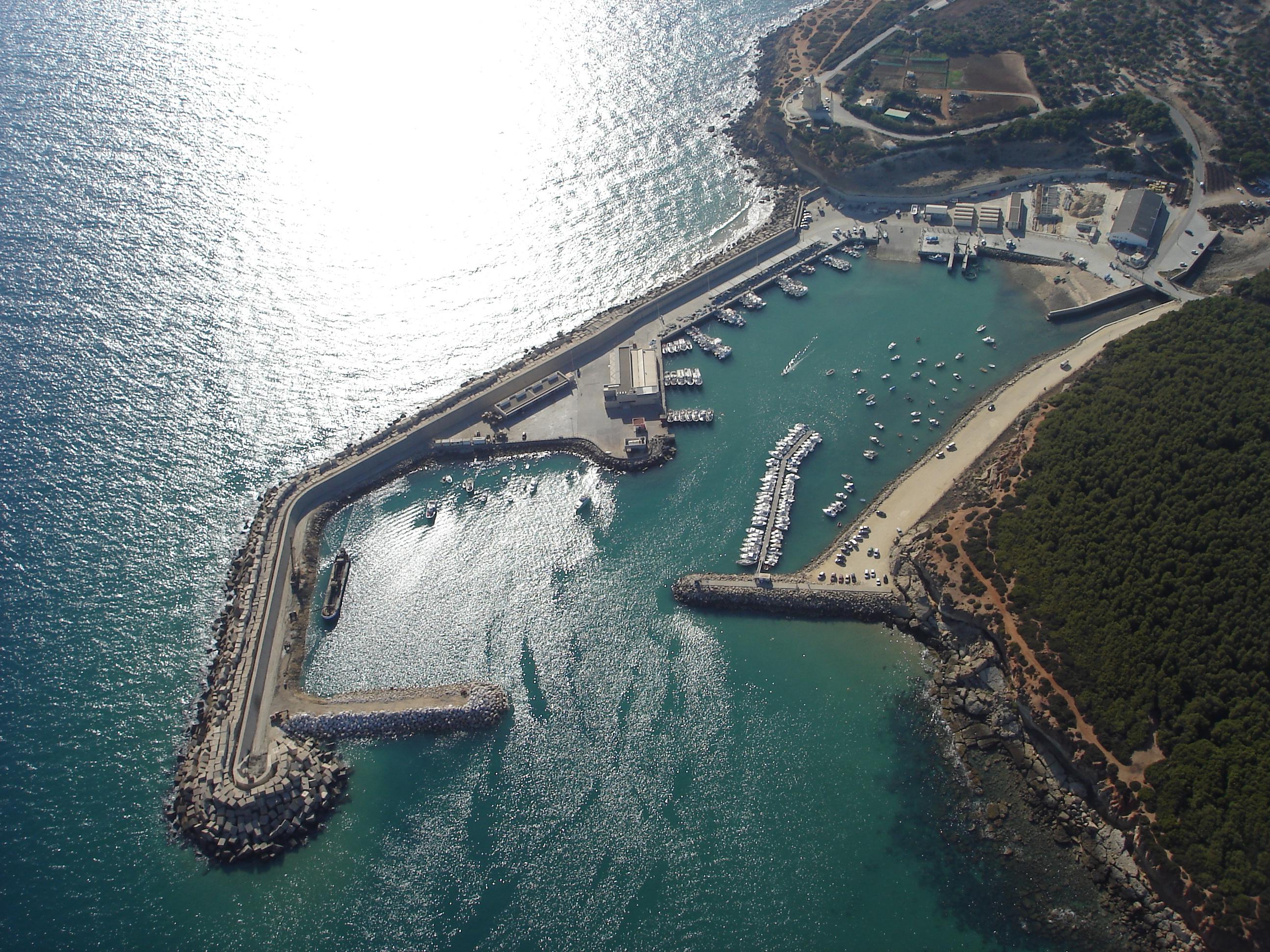 Foto playa Cala del Aceite. puerto de conil aerea