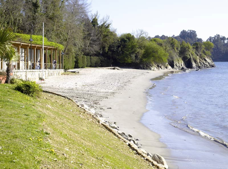 Foto playa Ribeiriña pequena.