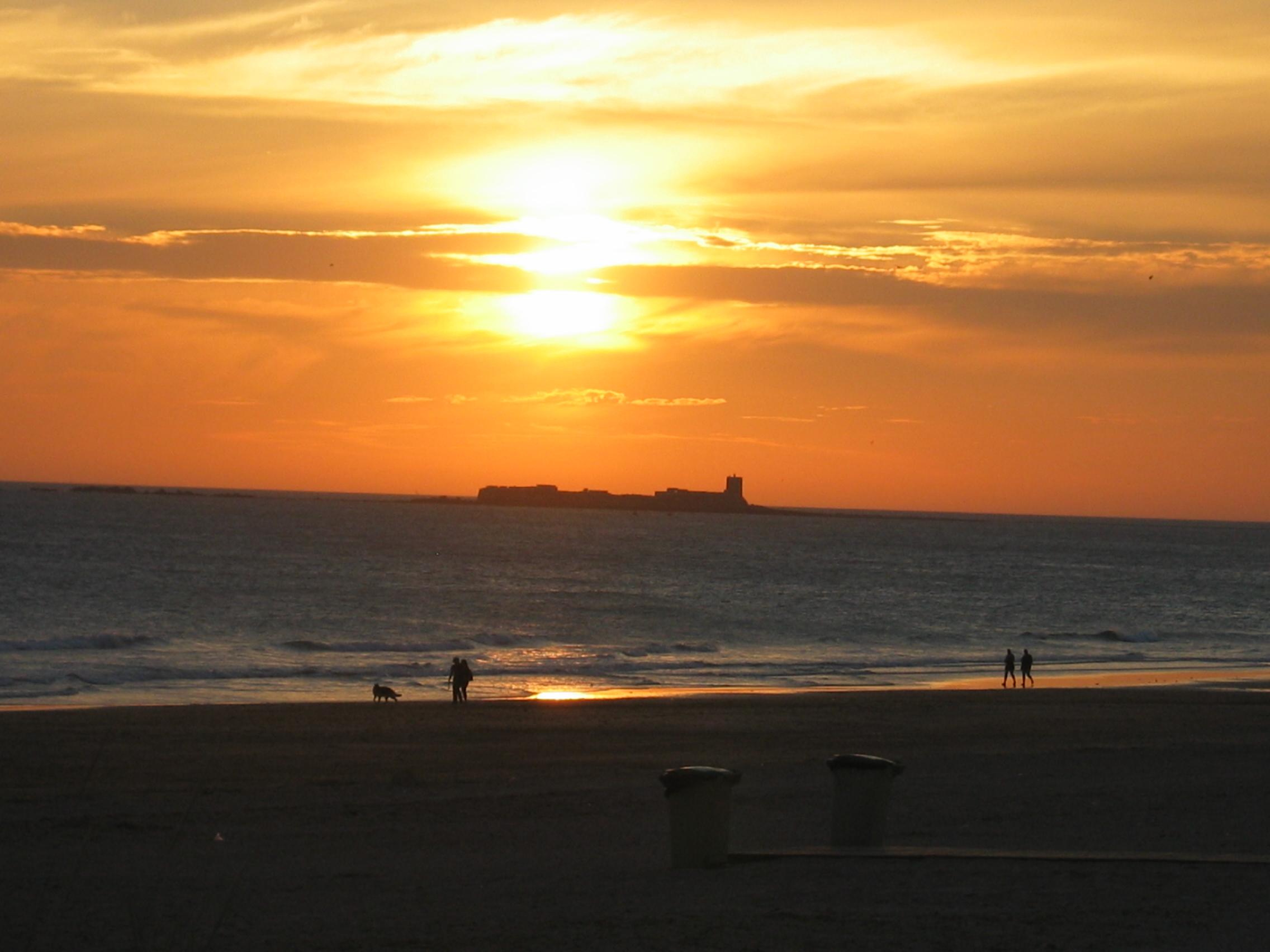 Foto playa El Puerco / La loma del puerco. Merece la pena contemplar las puestas de sol por el Atlántico