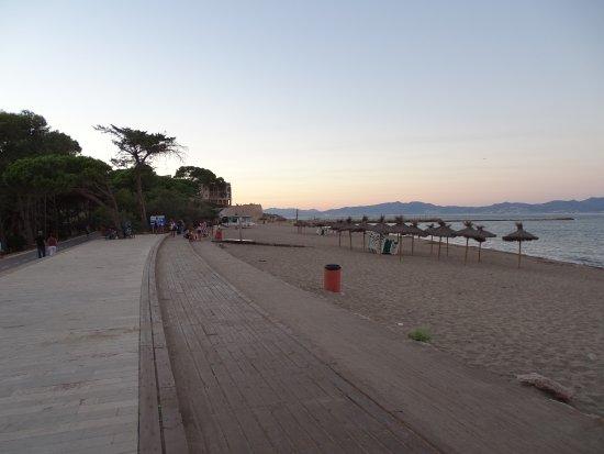 Foto playa El Cros.