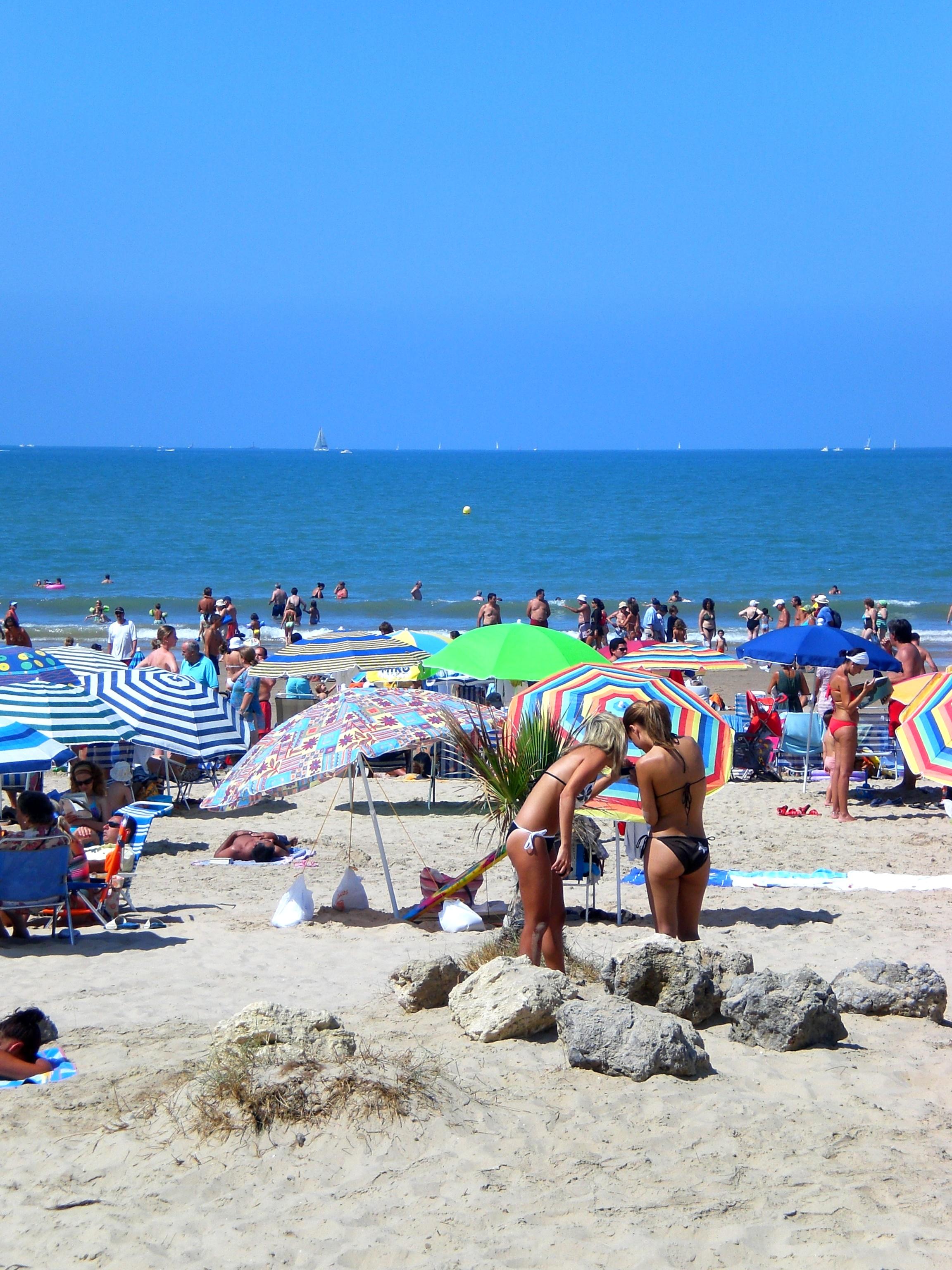 Foto playa Playa de Levante / Los Toruños. agua,arena y sol......con eso hay suficiente.