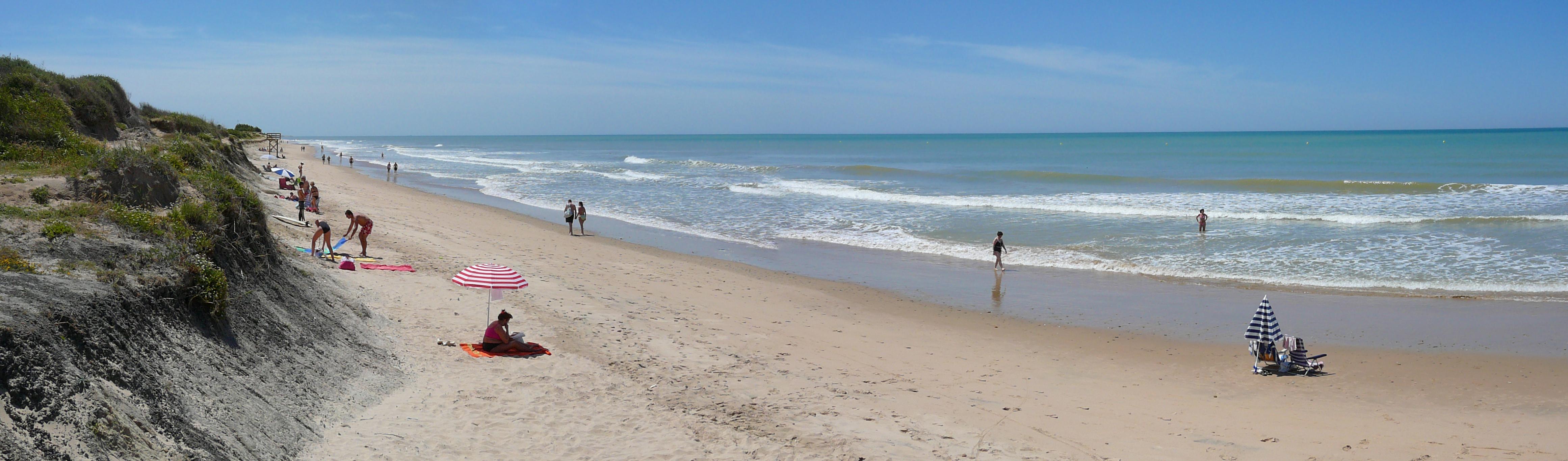 Playa Aguadulce / Peginas